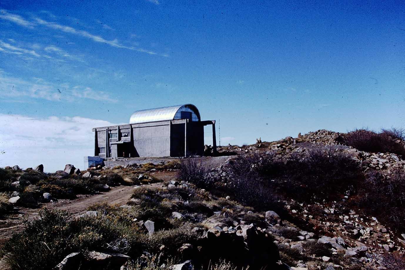 Enterreno - Fotos históricas de chile - fotos antiguas de Chile - Observatorio Cerro el Roble ca. 1970