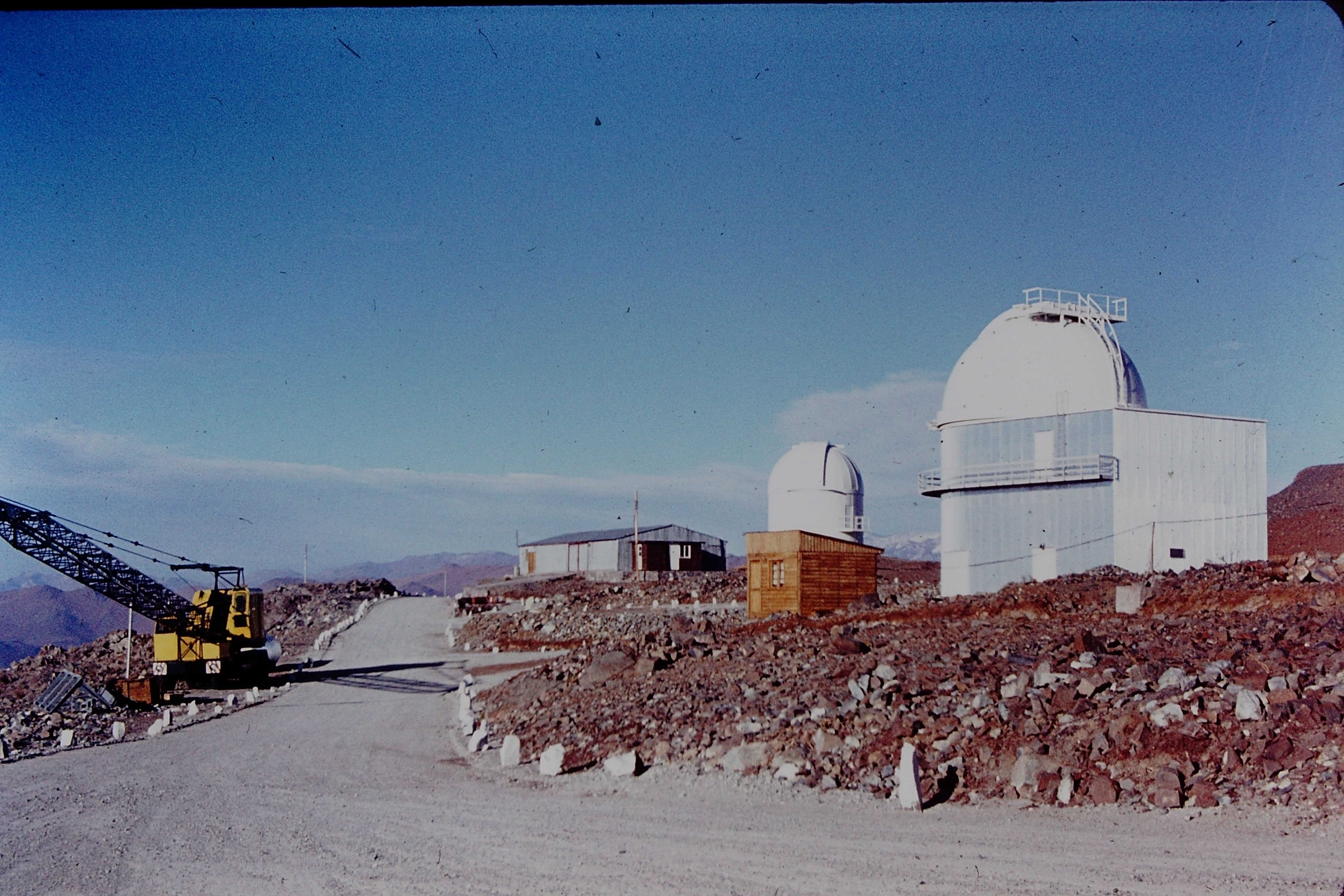 Enterreno - Fotos históricas de chile - fotos antiguas de Chile - Observatorio Cerro La Silla, 70s