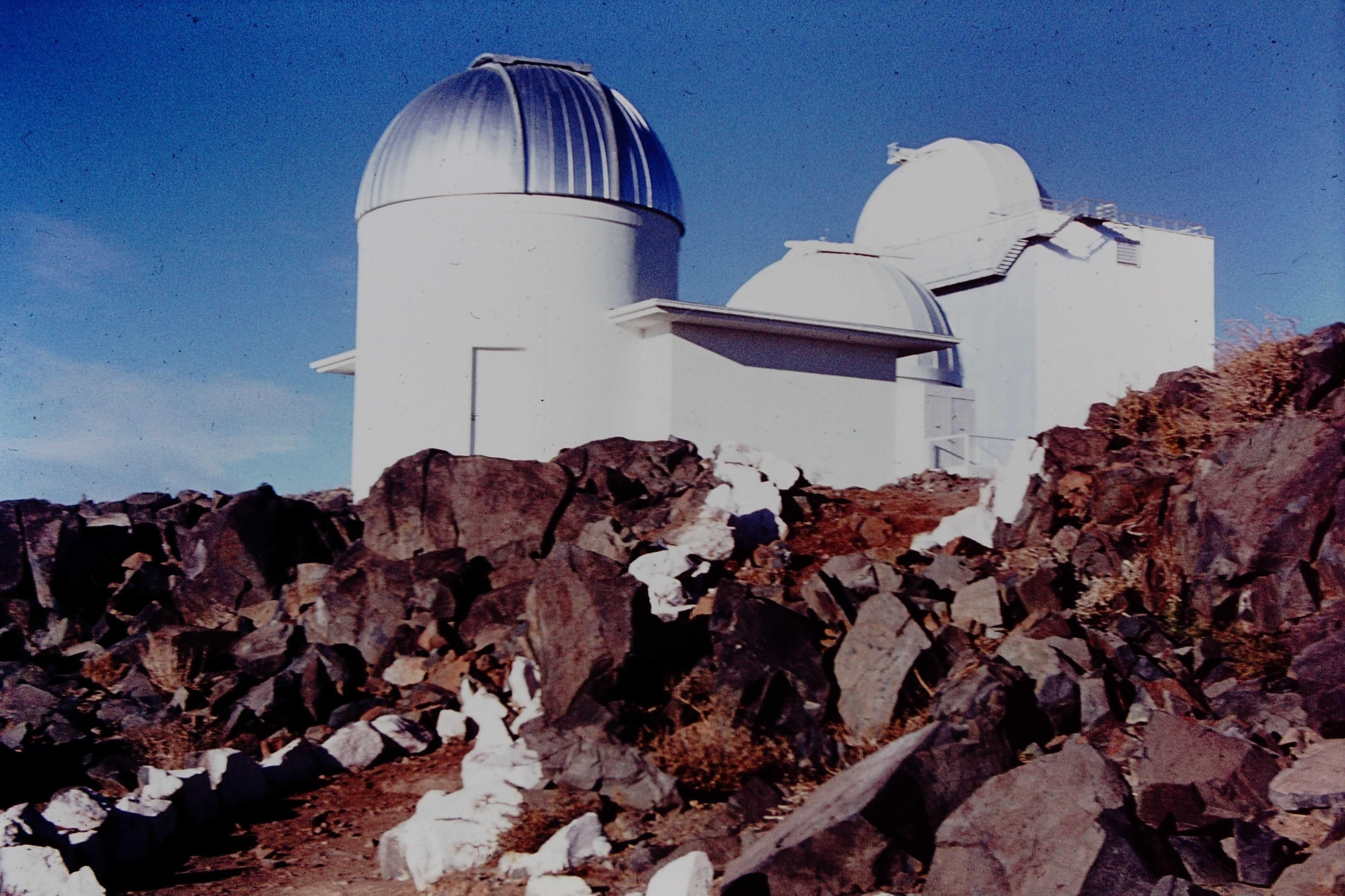 Enterreno - Fotos históricas de chile - fotos antiguas de Chile - Observatorio Cerro La Silla, 70s