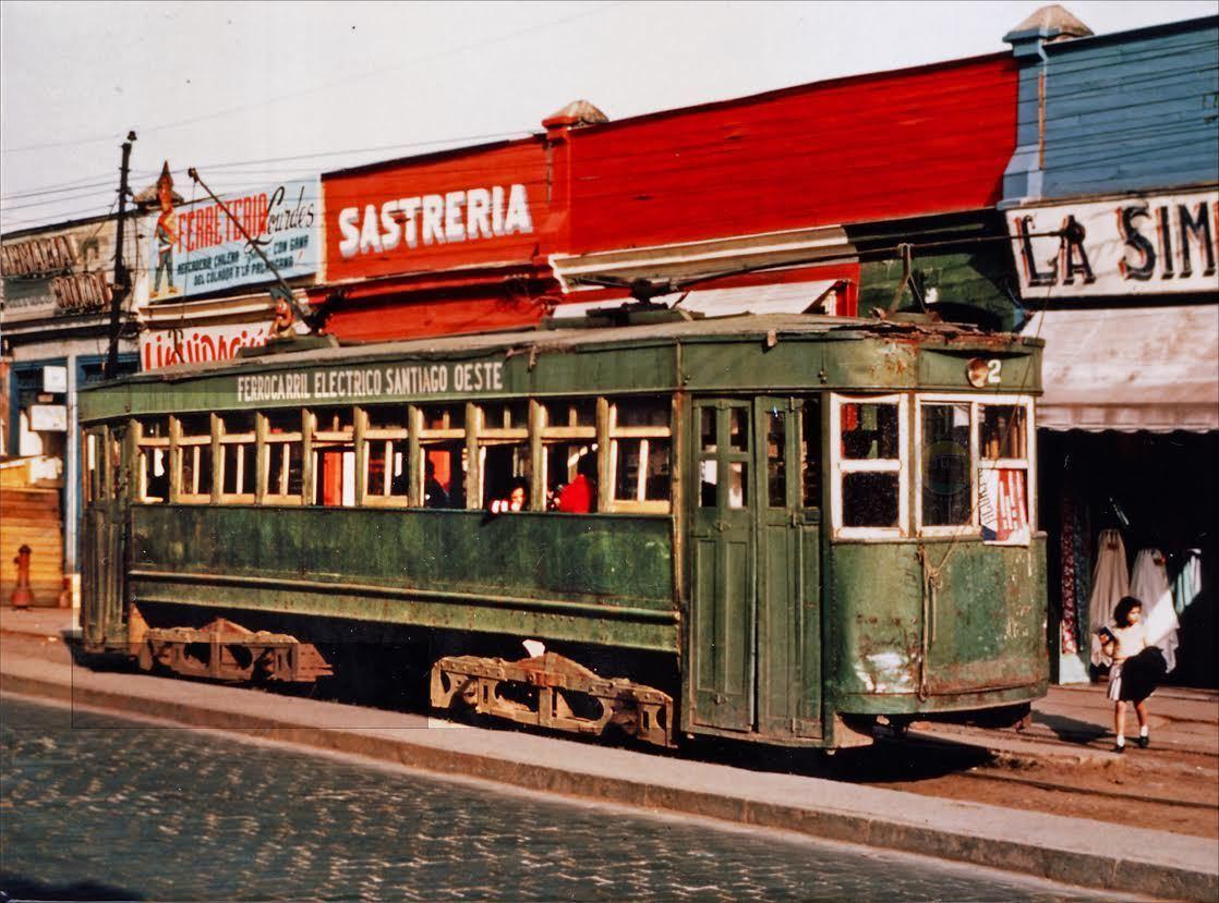 Enterreno - Fotos históricas de chile - fotos antiguas de Chile - Tranvía N° 2, Santiago Oeste en 1963