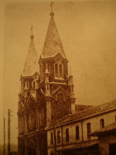 Enterreno - Fotos históricas de chile - fotos antiguas de Chile - Iglesia San Alfonso de Cauquenes en 1900