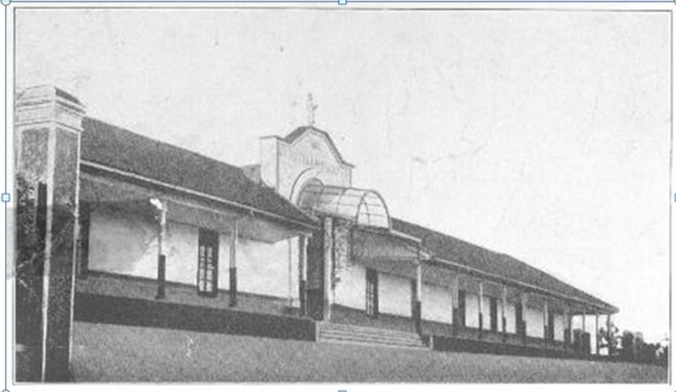 Enterreno - Fotos históricas de chile - fotos antiguas de Chile - Antiguo hospital de Cauquenes en 1915