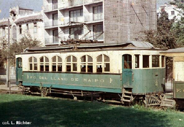 Enterreno - Fotos históricas de chile - fotos antiguas de Chile - Carro Belga en Paradero Ferrocarril del Llano del Maipo en 1958