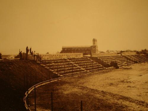 Enterreno - Fotos históricas de chile - fotos antiguas de Chile - Estadio de Cauquenes en 1960