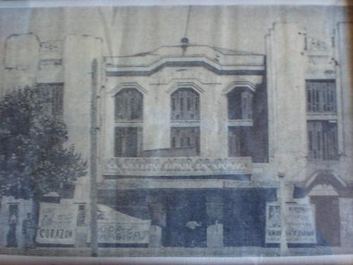 Enterreno - Fotos históricas de chile - fotos antiguas de Chile - Teatro de Cauquenes en 1945
