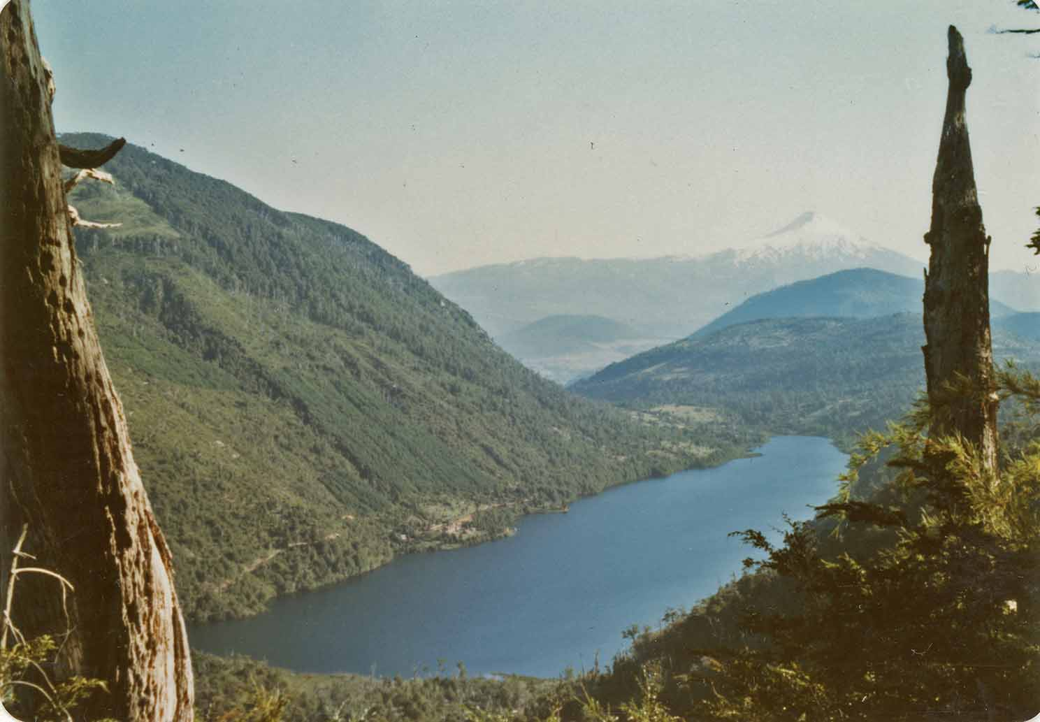 Enterreno - Fotos históricas de chile - fotos antiguas de Chile - Vista al Lago Tinquilco en 1984