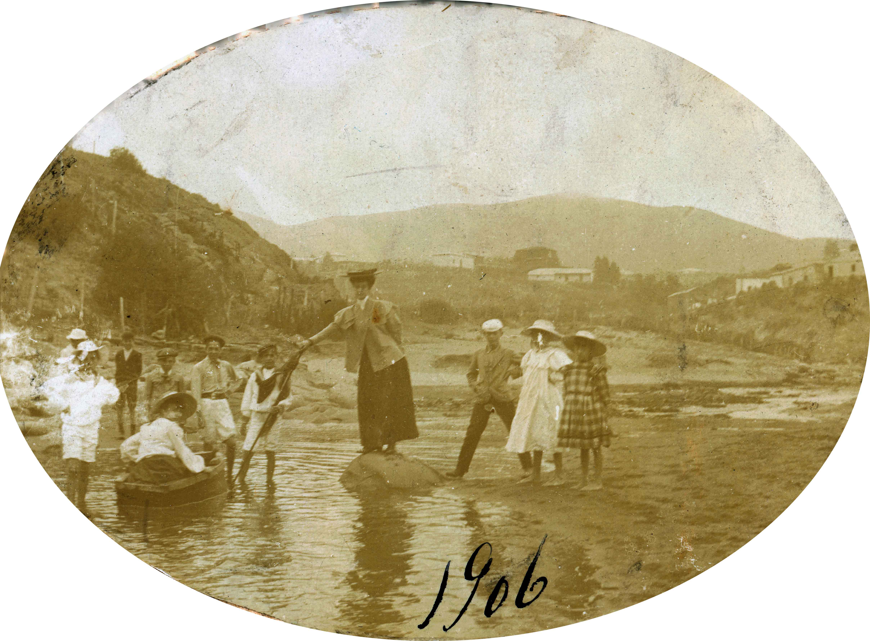Enterreno - Fotos históricas de chile - fotos antiguas de Chile - Cercanías de Zapallar en 190