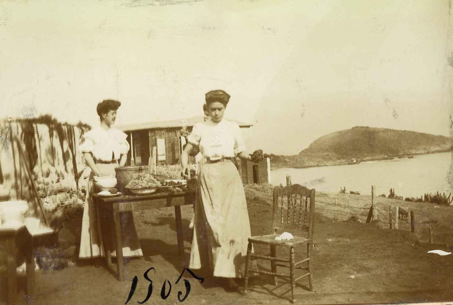 Enterreno - Fotos históricas de chile - fotos antiguas de Chile - Zapallar en 1905