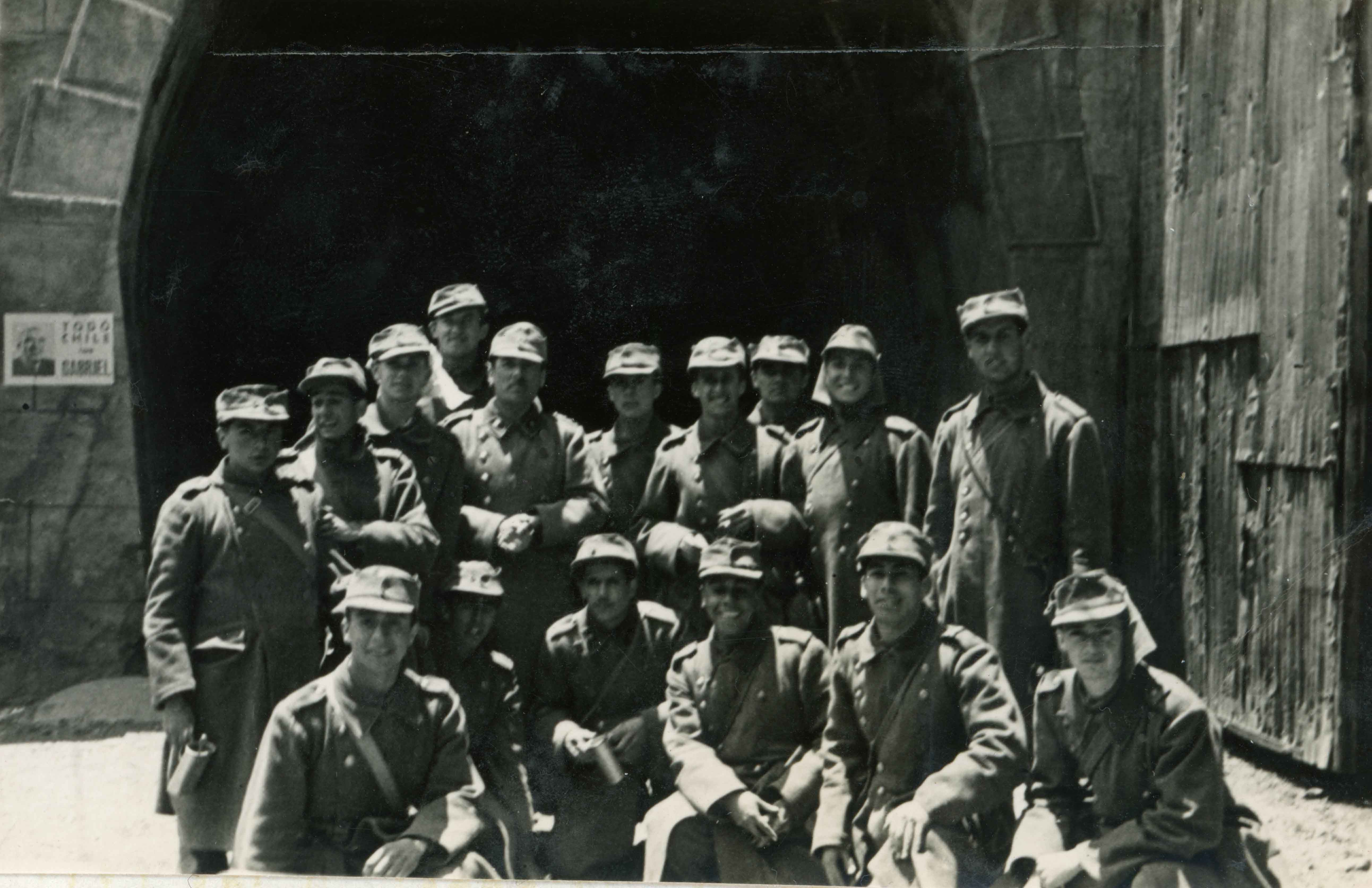 Enterreno - Fotos históricas de chile - fotos antiguas de Chile - Cadetes en Portillo, 1945