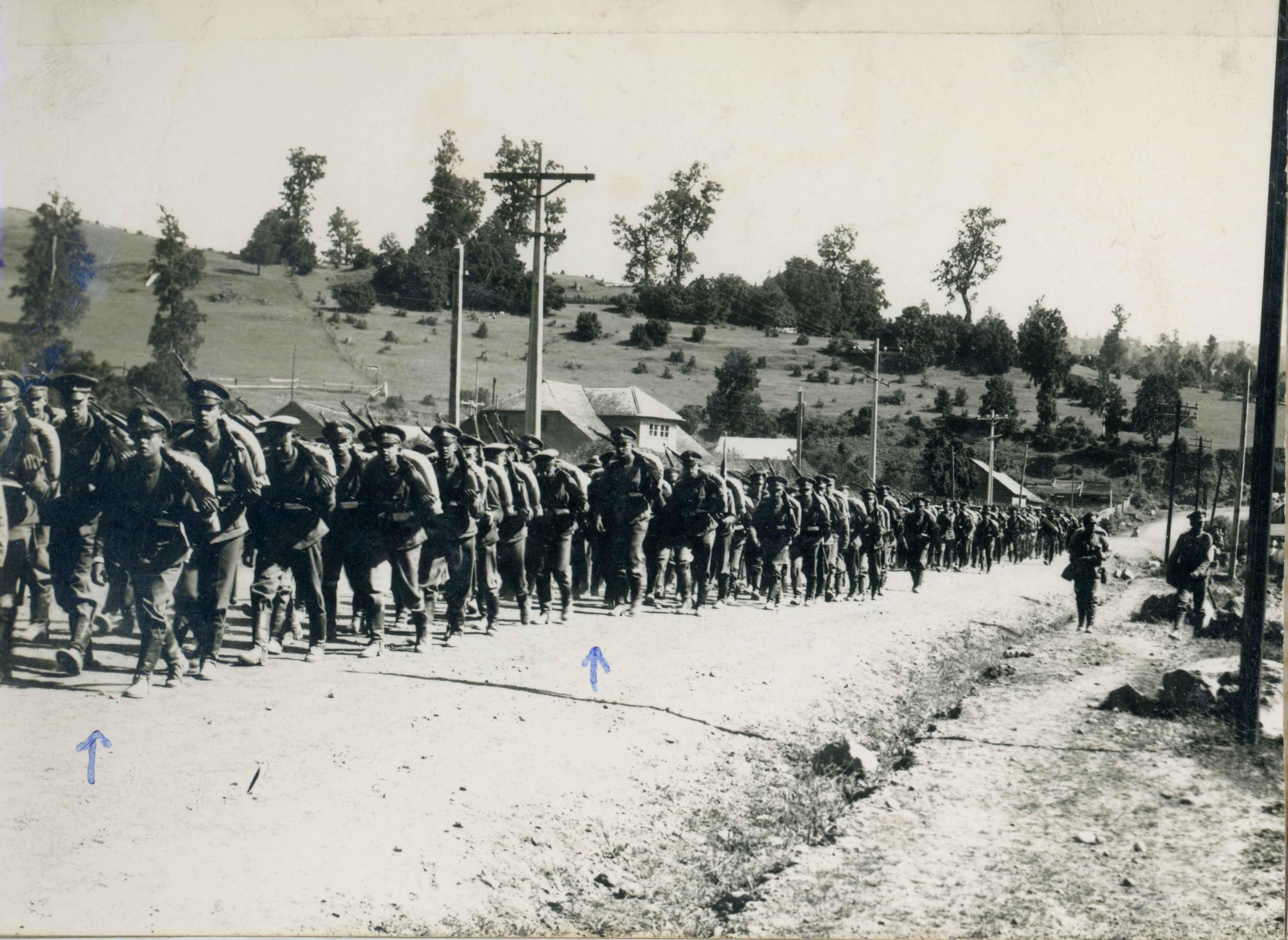 Enterreno - Fotos históricas de chile - fotos antiguas de Chile - Marcha de cadetes en 1943