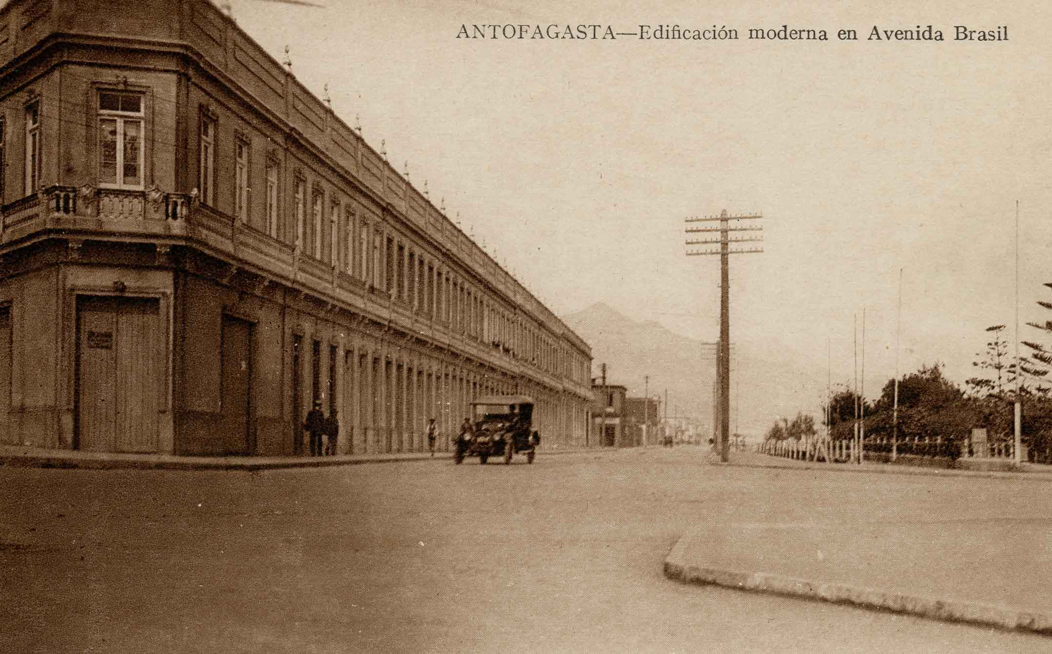 Enterreno - Fotos históricas de chile - fotos antiguas de Chile - Avenida Brasil de Antofagasta ca. 1925