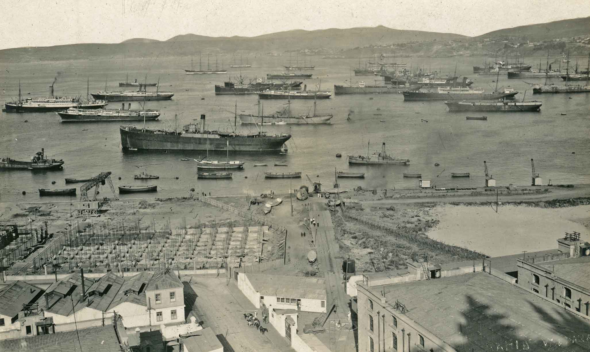Enterreno - Fotos históricas de chile - fotos antiguas de Chile - Bahía de Valparaíso en 1919