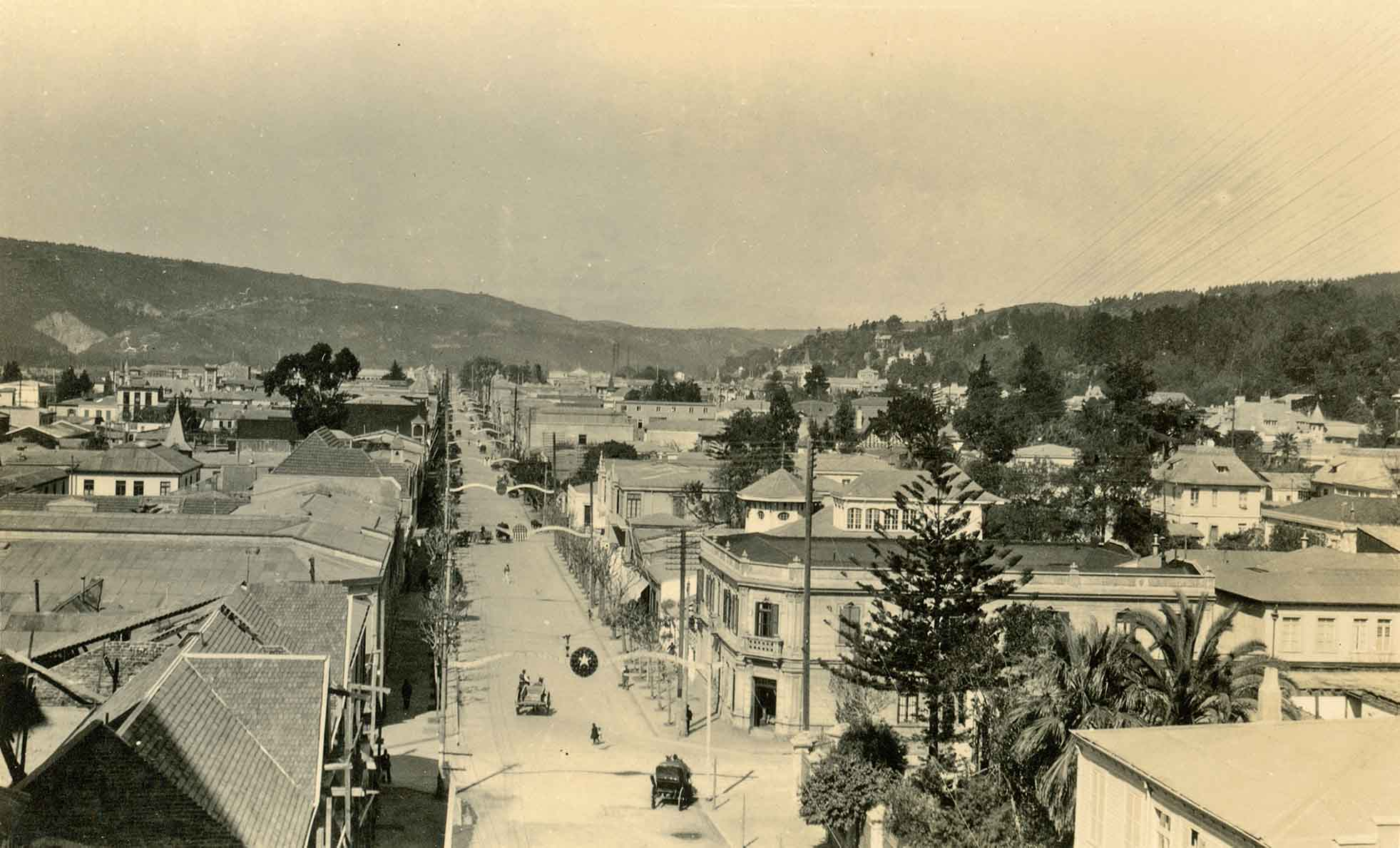 Enterreno - Fotos históricas de chile - fotos antiguas de Chile - Calle Valparaíso de viña del Mar en 1925