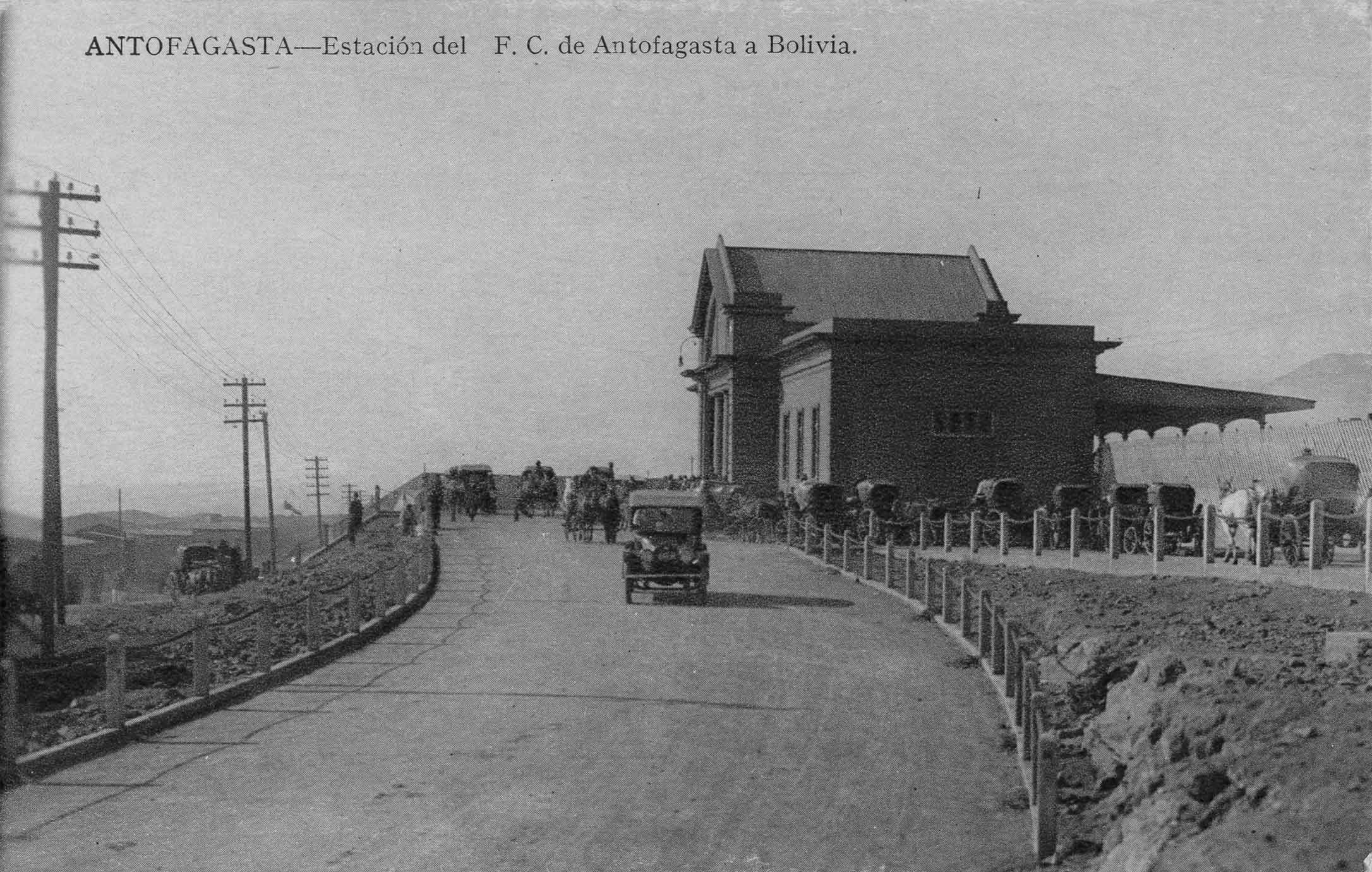 Enterreno - Fotos históricas de chile - fotos antiguas de Chile - Estación de Ferrocarriles de Antofagasta, ca. 1920
