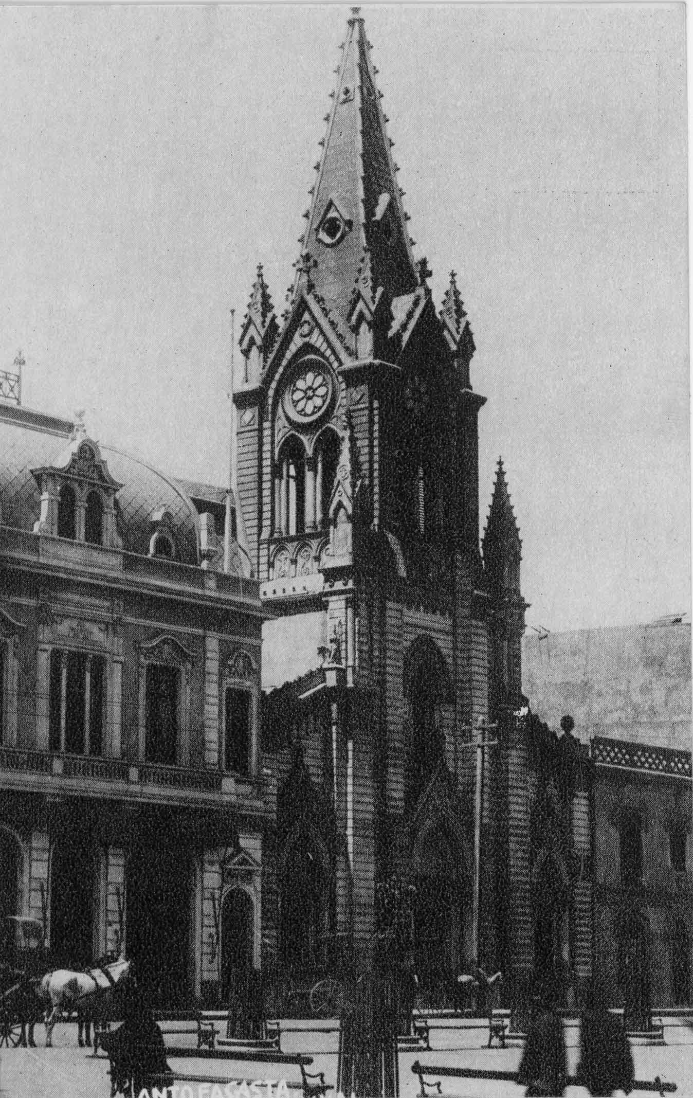 Enterreno - Fotos históricas de chile - fotos antiguas de Chile - Iglesia de Antofagasta ca. 1920