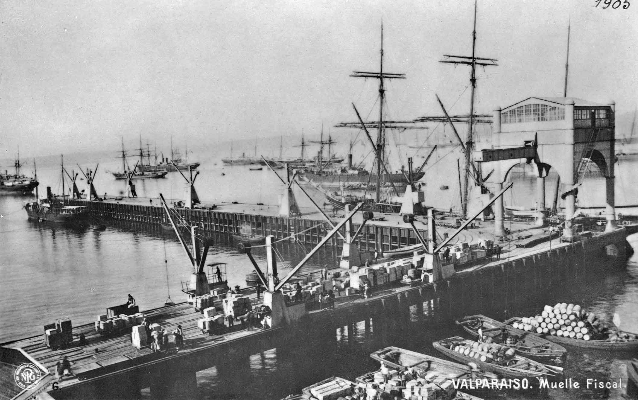 Enterreno - Fotos históricas de chile - fotos antiguas de Chile - Muelle Fiscal de Valparaíso en 1905