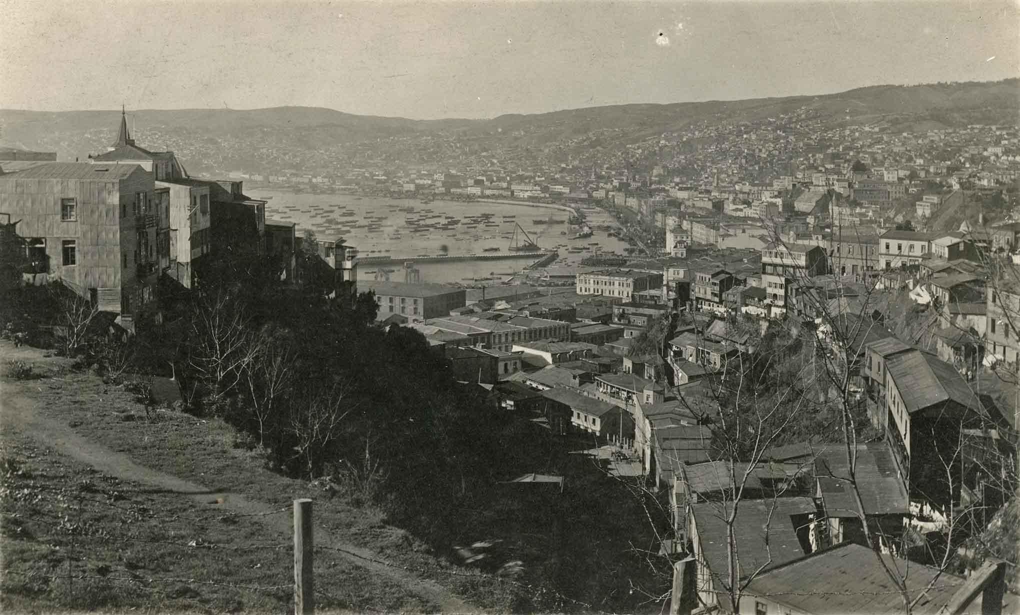 Enterreno - Fotos históricas de chile - fotos antiguas de Chile - Construcción de relleno de Valparaíso en 1920