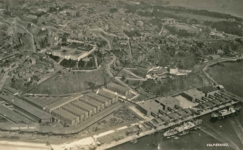 Enterreno - Fotos históricas de chile - fotos antiguas de Chile - Valparaíso desde el aire en 1926