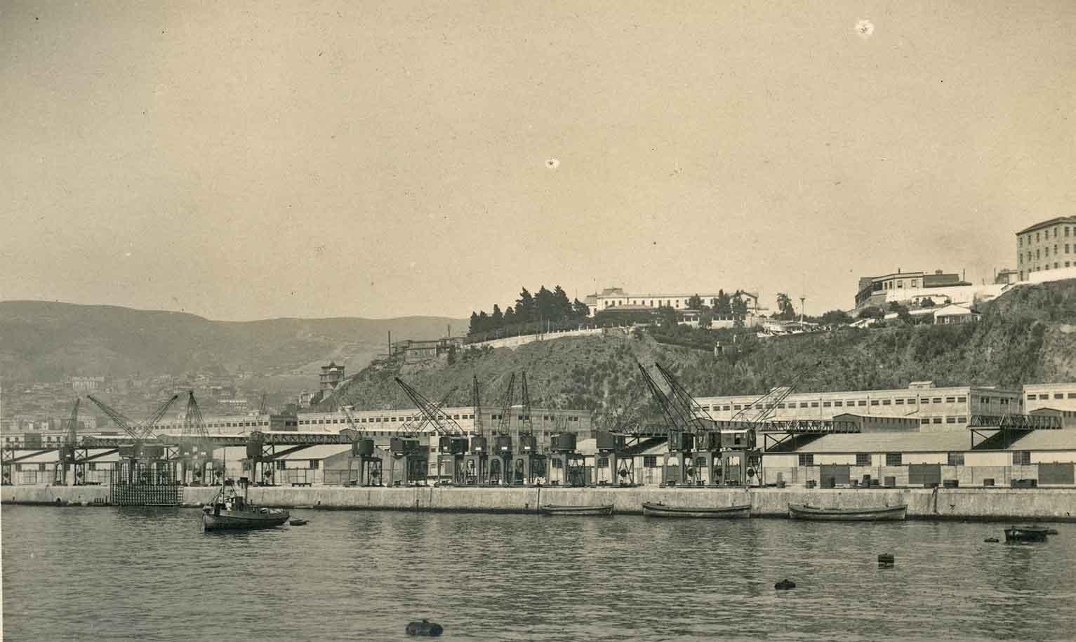 Enterreno - Fotos históricas de chile - fotos antiguas de Chile - Puerto de Valparaíso en 1924