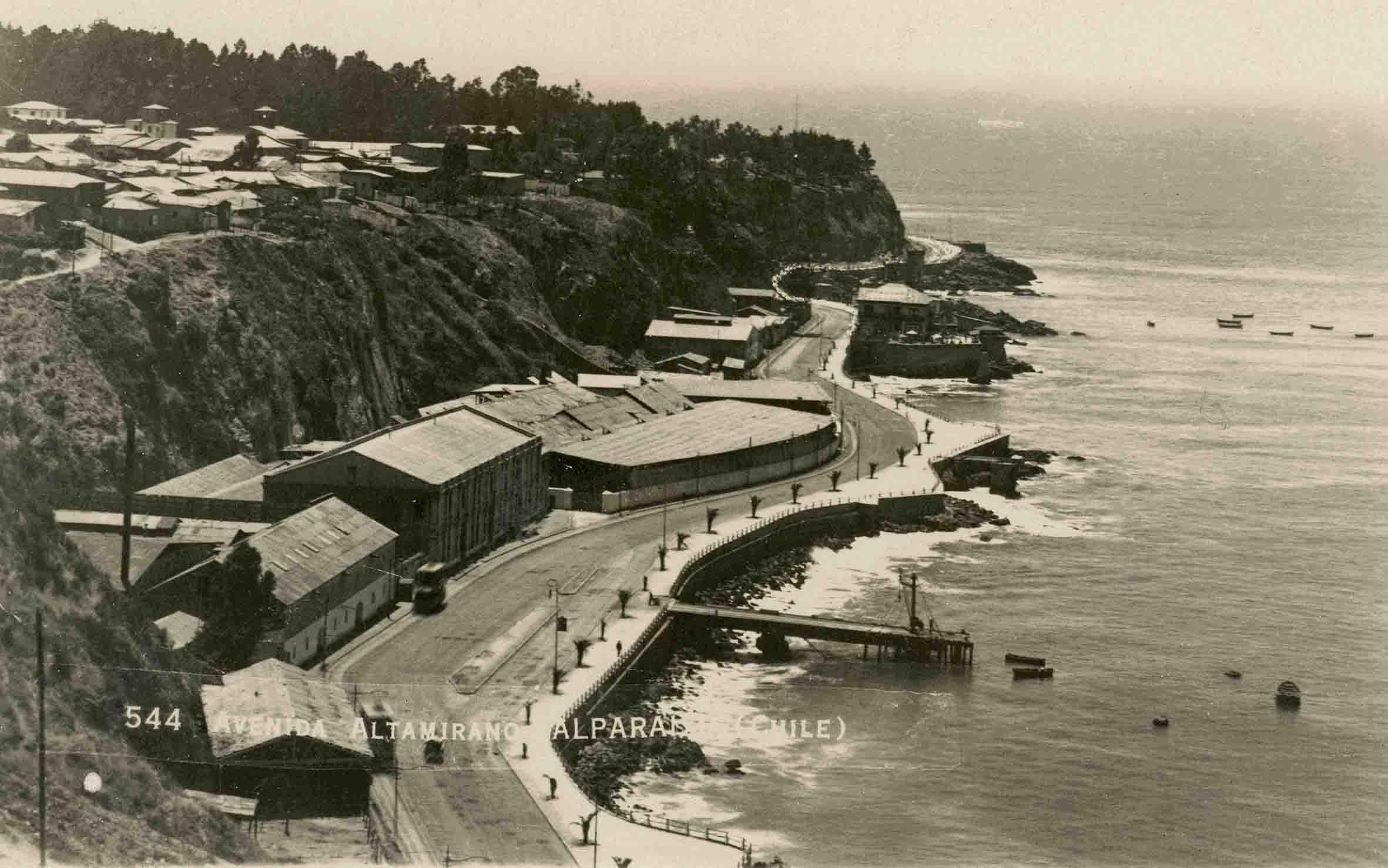 Enterreno - Fotos históricas de chile - fotos antiguas de Chile - Avenida Altamirano de Valparaíso en 1923