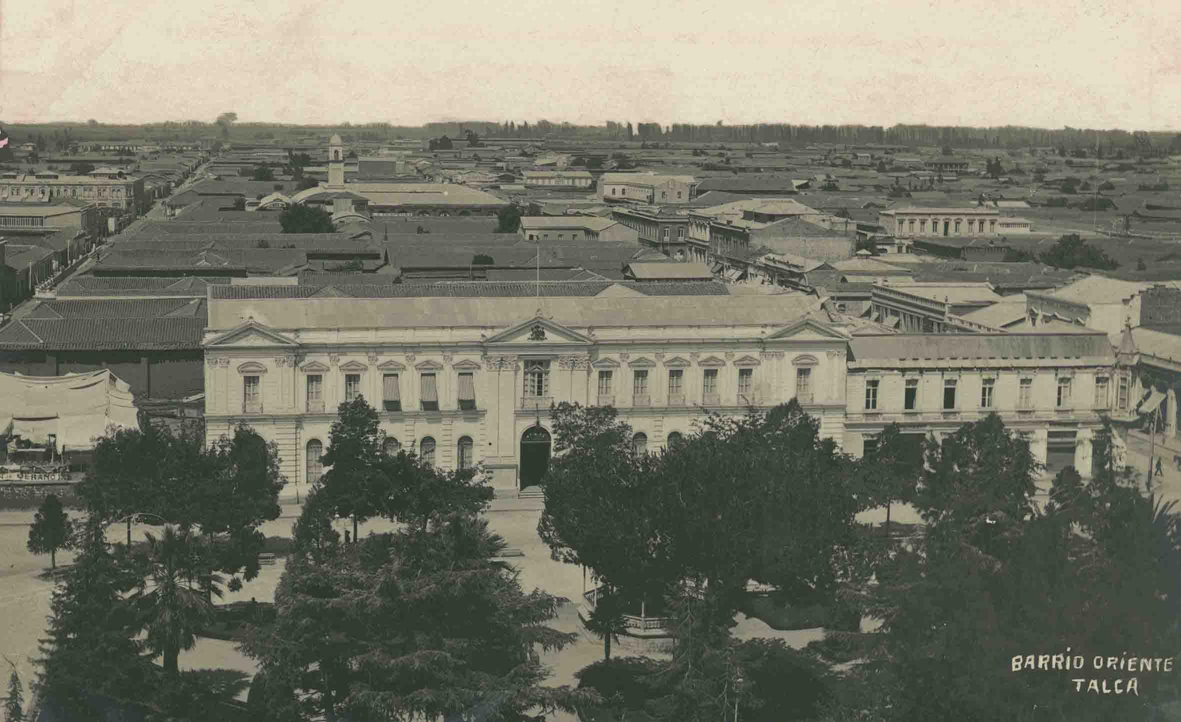 Enterreno - Fotos históricas de chile - fotos antiguas de Chile - Barrio oriente de Talca ca. 1920