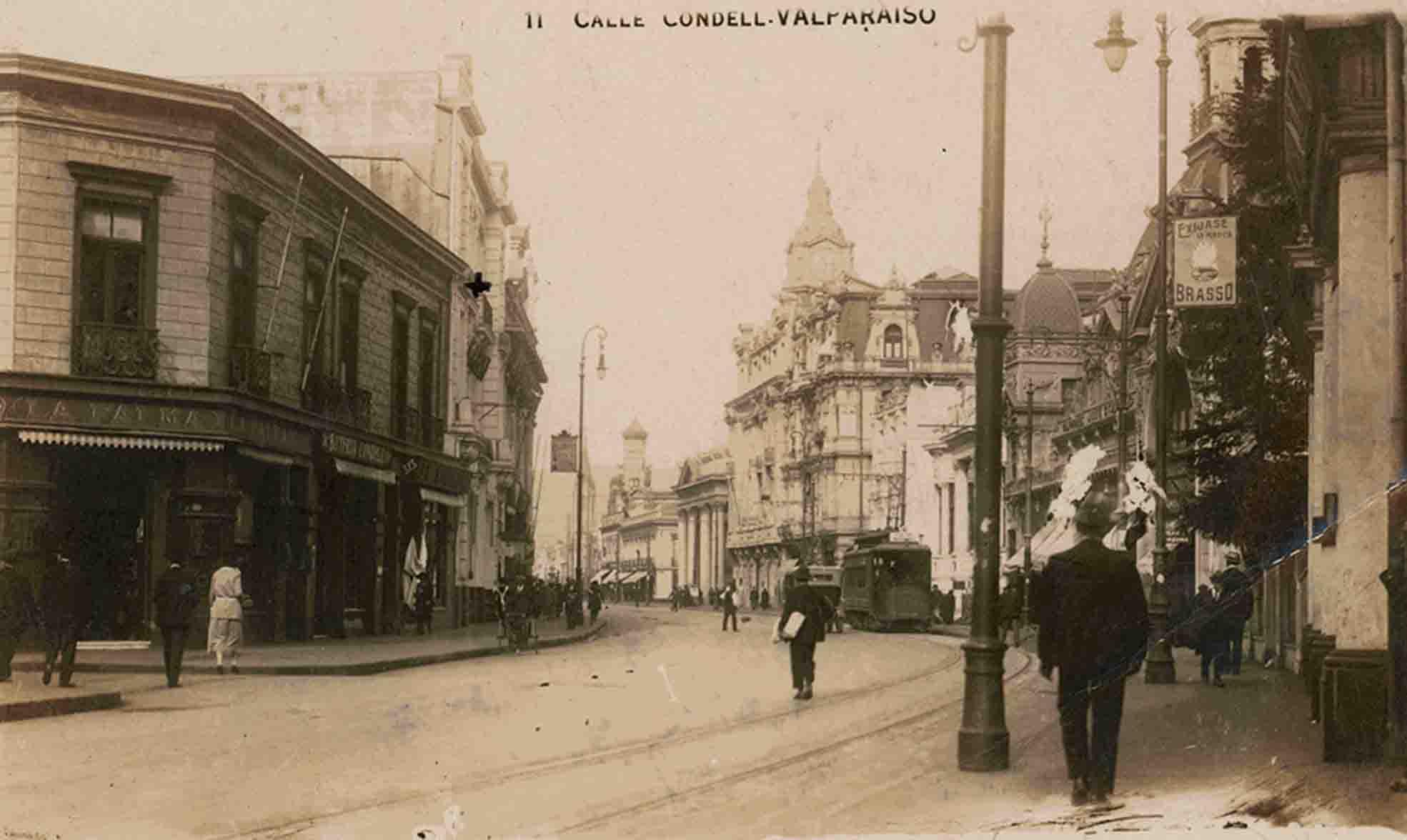 Enterreno - Fotos históricas de chile - fotos antiguas de Chile - Calle Condel de Valparaíso ca. 1920