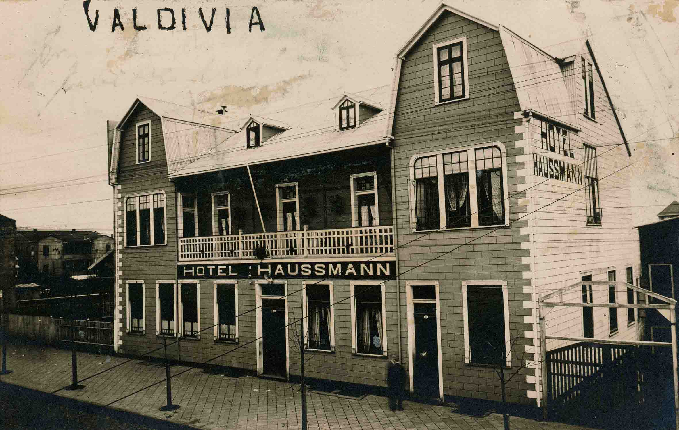 Enterreno - Fotos históricas de chile - fotos antiguas de Chile - Hotel Haussmann de Valdivia ca. 1930