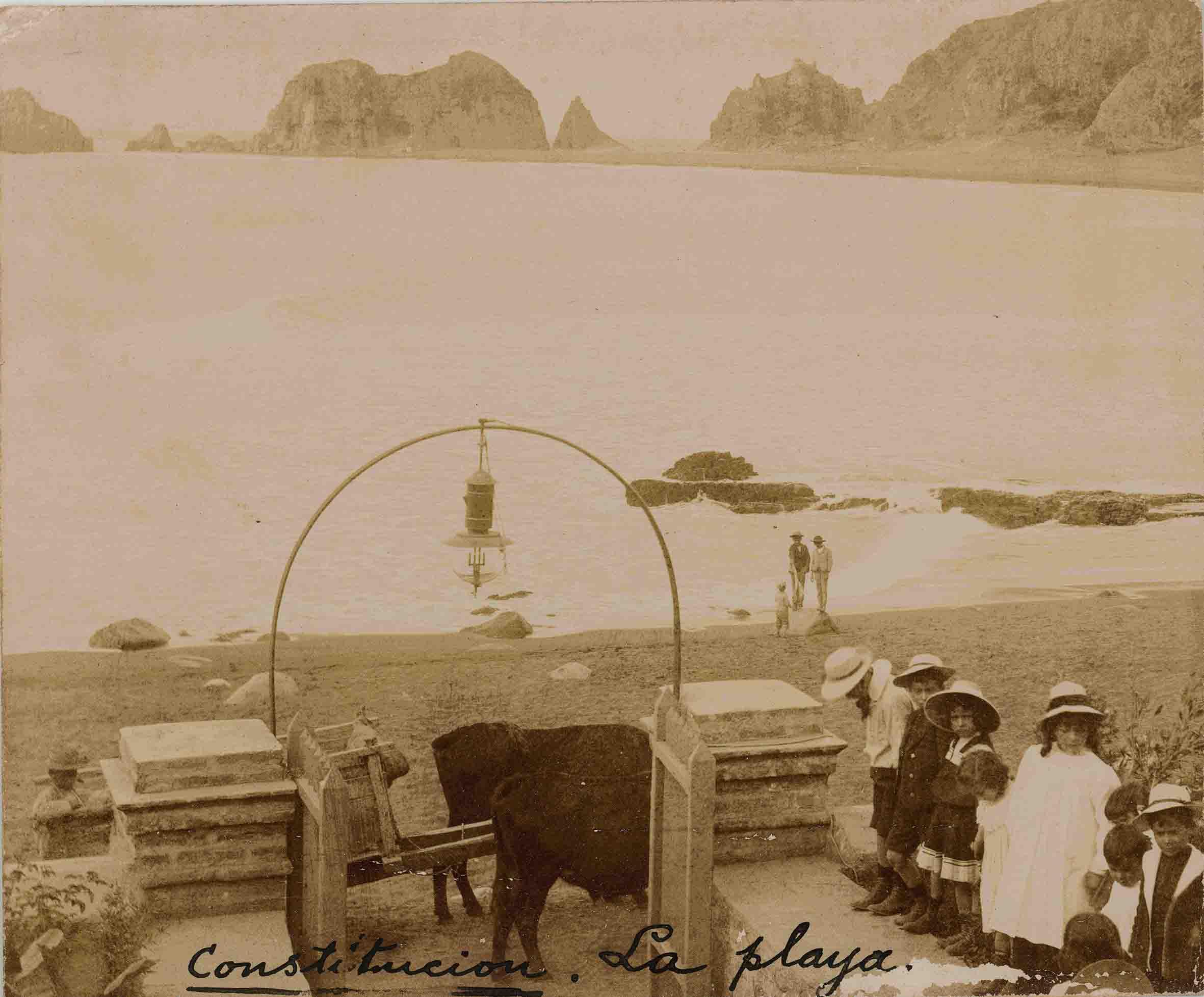 Enterreno - Fotos históricas de chile - fotos antiguas de Chile - Playa de Constitución ca. 1025