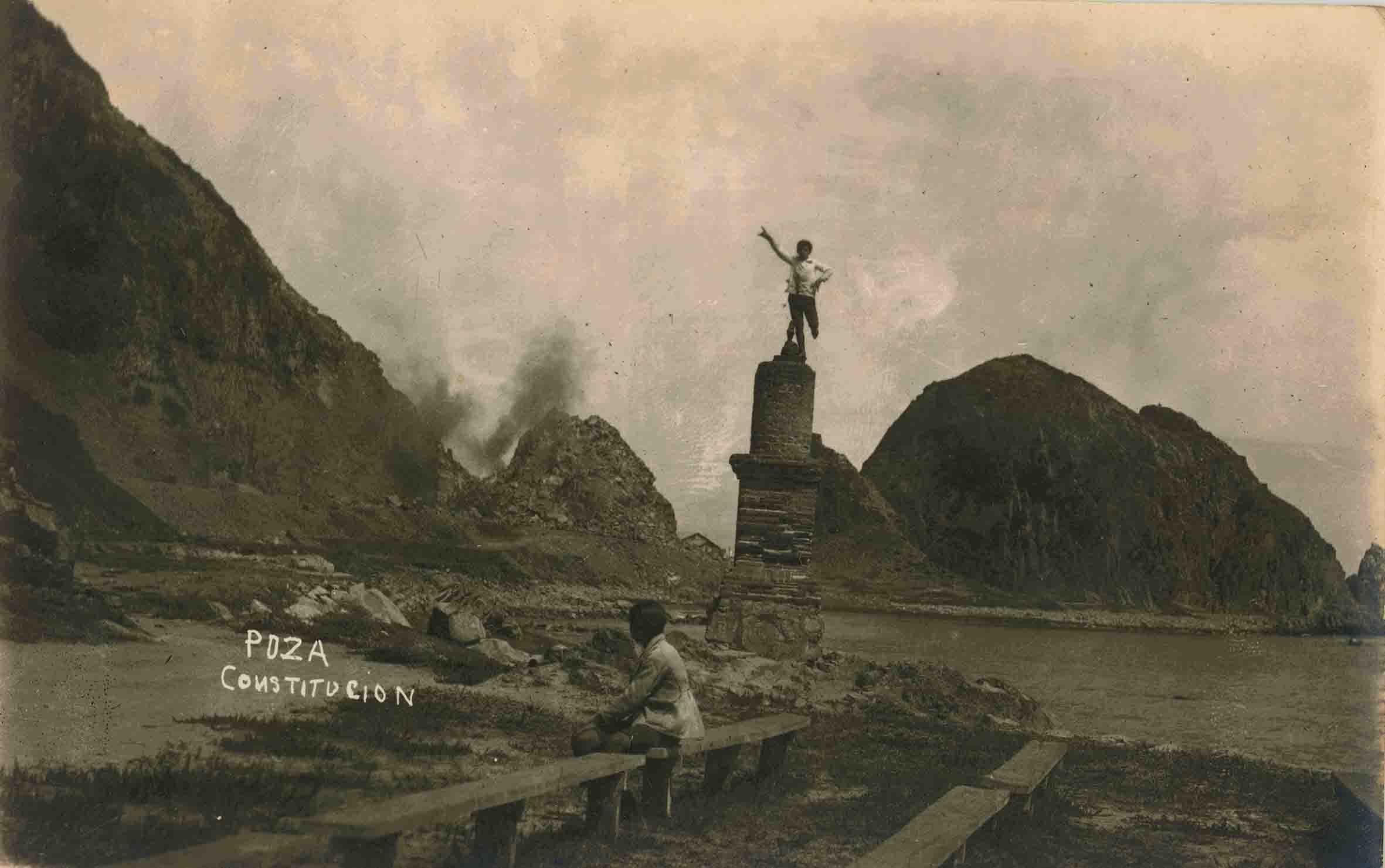 Enterreno - Fotos históricas de chile - fotos antiguas de Chile - Plaza de Constitución ca. 1925