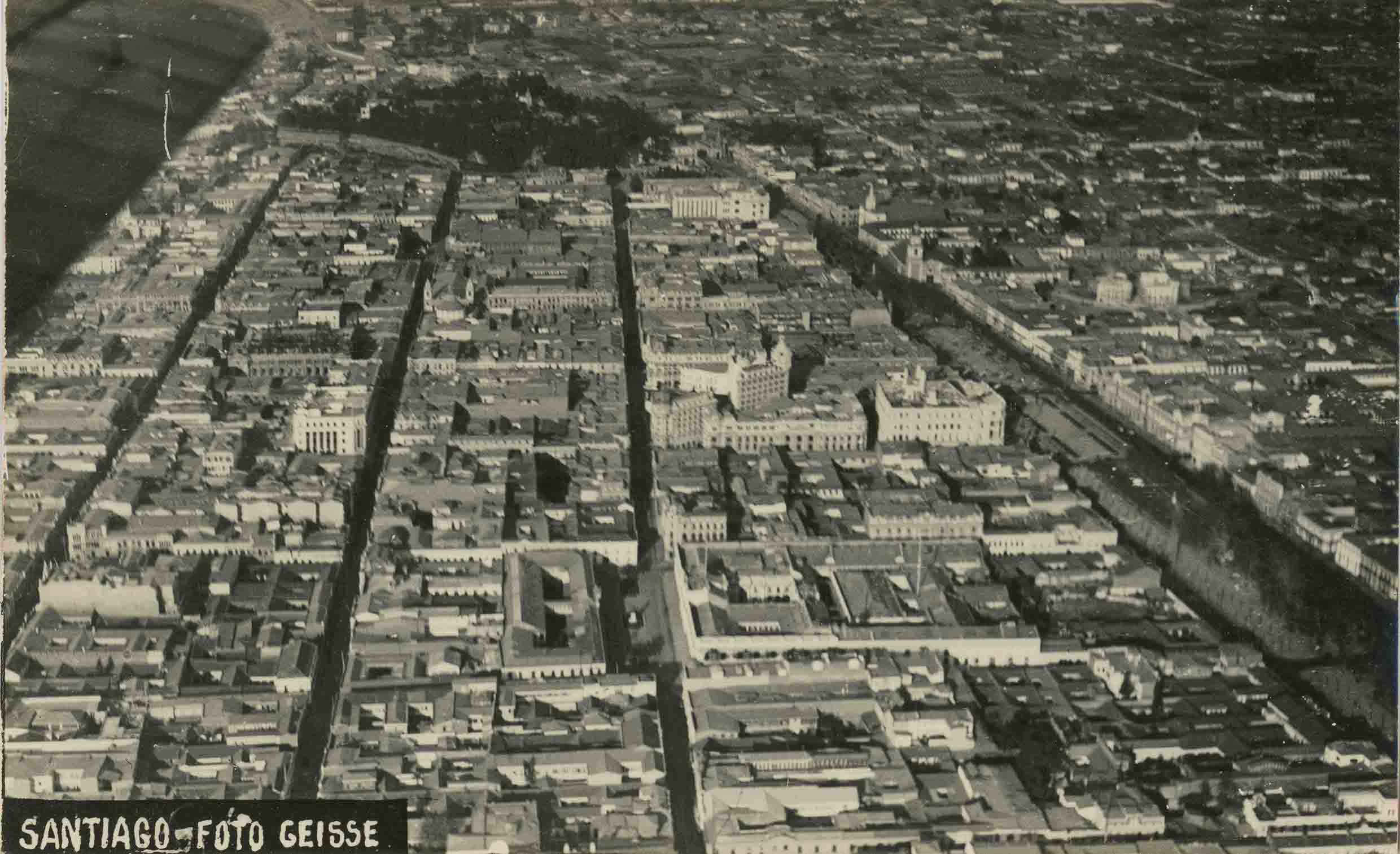 Enterreno - Fotos históricas de chile - fotos antiguas de Chile - Vista aérea de Santiago ca. 1927