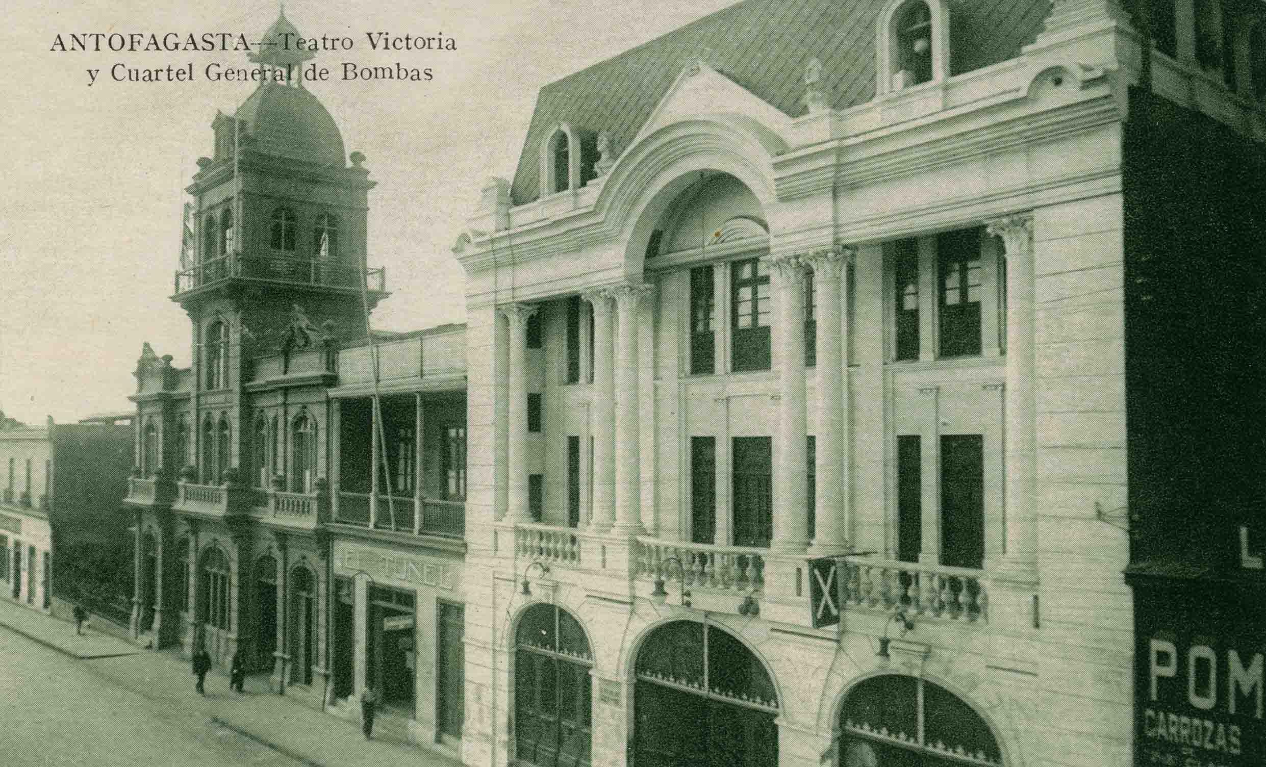 Enterreno - Fotos históricas de chile - fotos antiguas de Chile - Teatro Victoria de Antofagasta en 1920