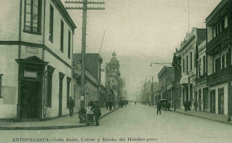 Enterreno - Fotos históricas de chile - fotos antiguas de Chile - Calle Sucre de Antofagasta ca. 1910