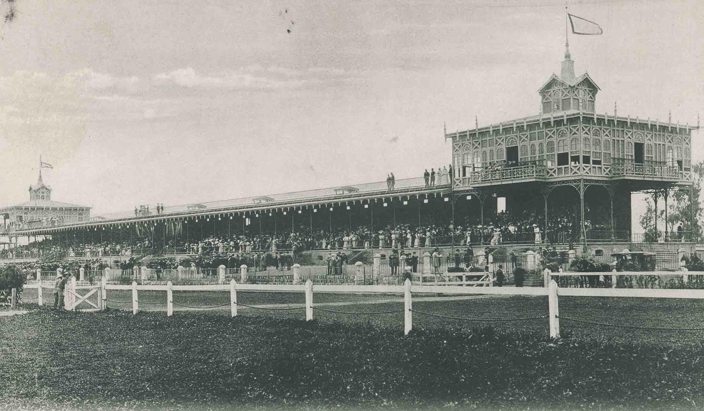 Enterreno - Fotos históricas de chile - fotos antiguas de Chile - Club Hípico de Santiago en 1910
