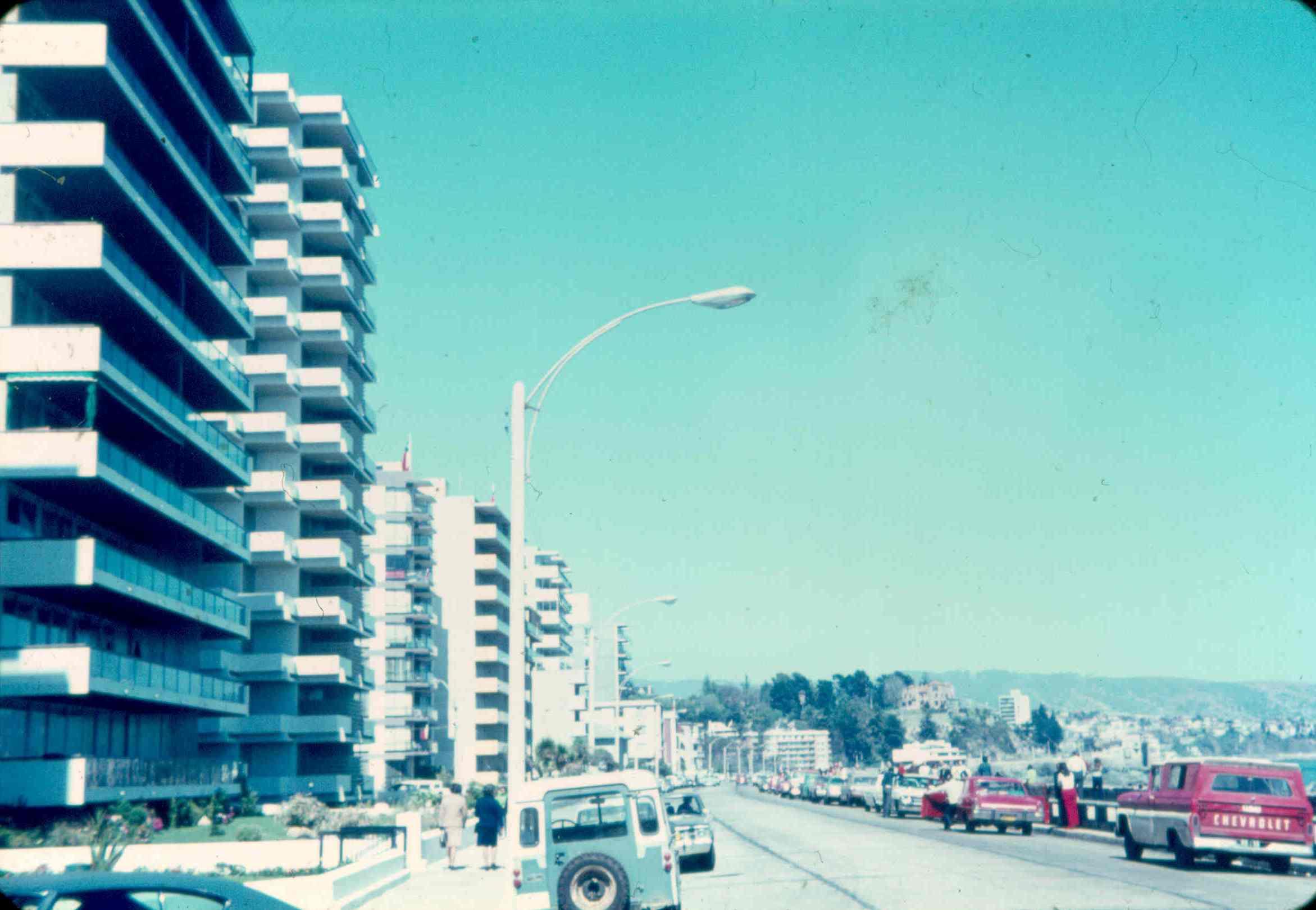 Enterreno - Fotos históricas de chile - fotos antiguas de Chile - Avenida Perú de Viña del Mar en 1970