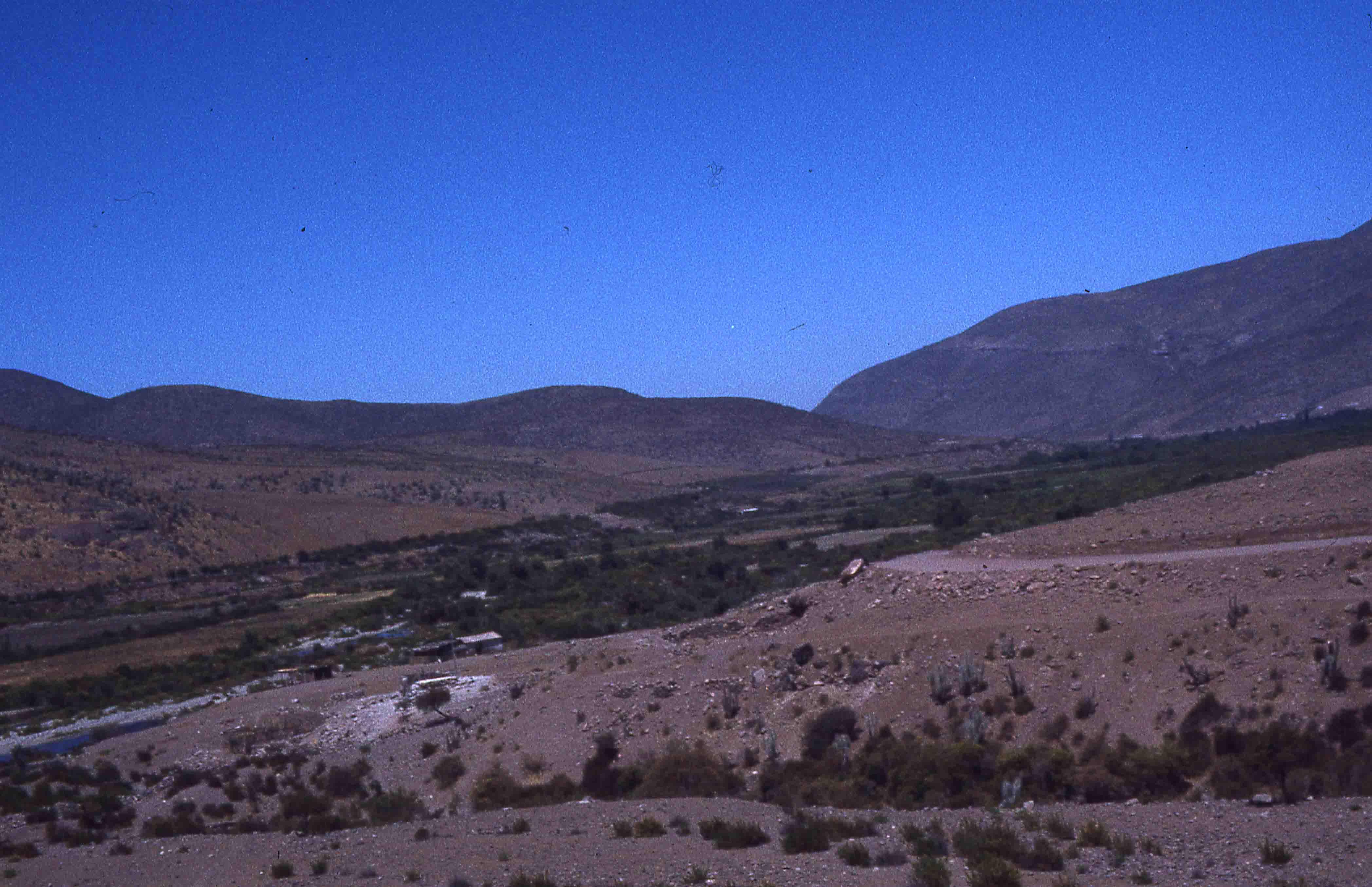 Enterreno - Fotos históricas de chile - fotos antiguas de Chile - Pichasca en los años 70s