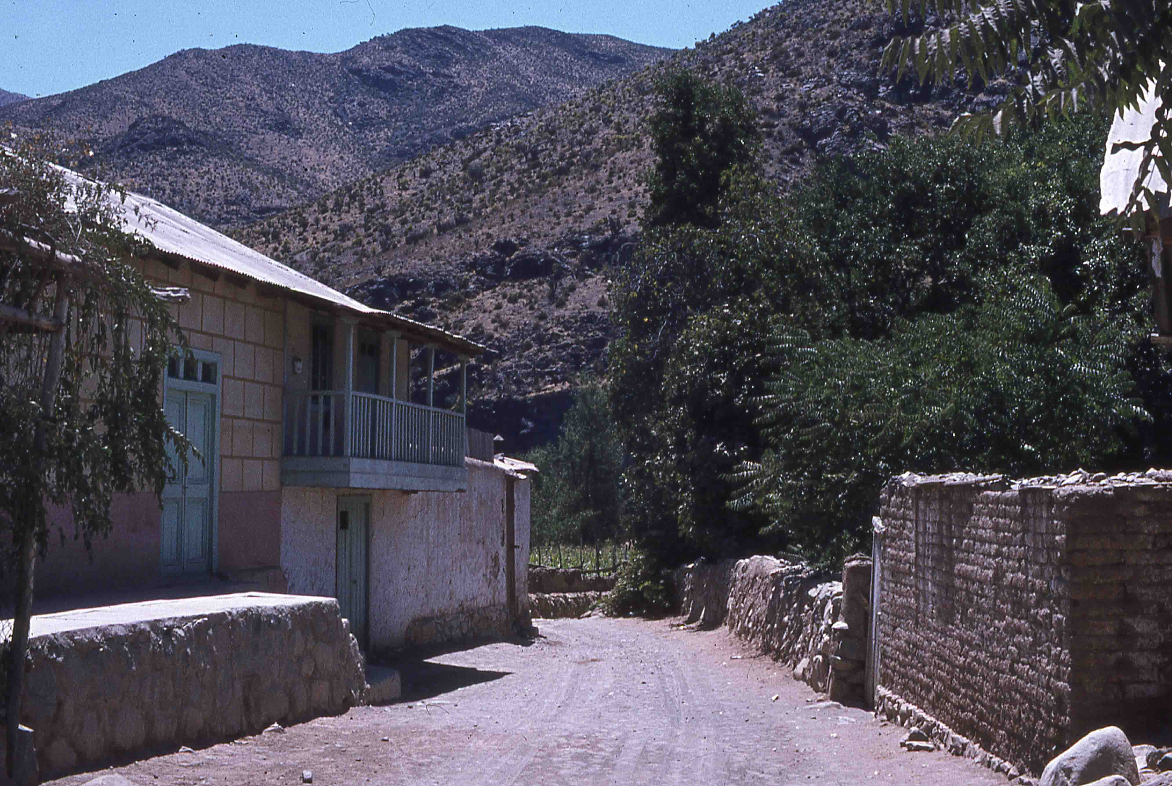 Enterreno - Fotos históricas de chile - fotos antiguas de Chile - Pueblo Pichasca en los años 70s