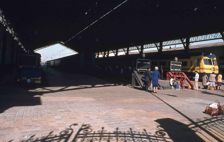 Enterreno - Fotos históricas de chile - fotos antiguas de Chile - Estación Central de Santiago en 1980