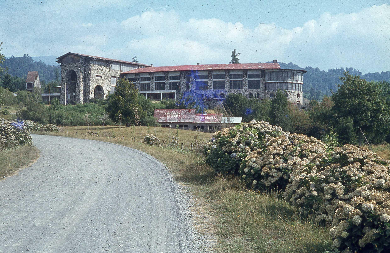Enterreno - Fotos históricas de chile - fotos antiguas de Chile - Hotel Puyehue a finales de los 70