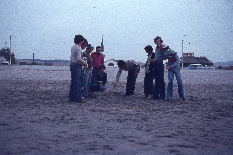 Enterreno - Fotos históricas de chile - fotos antiguas de Chile - Viaje de amigos en los años 70