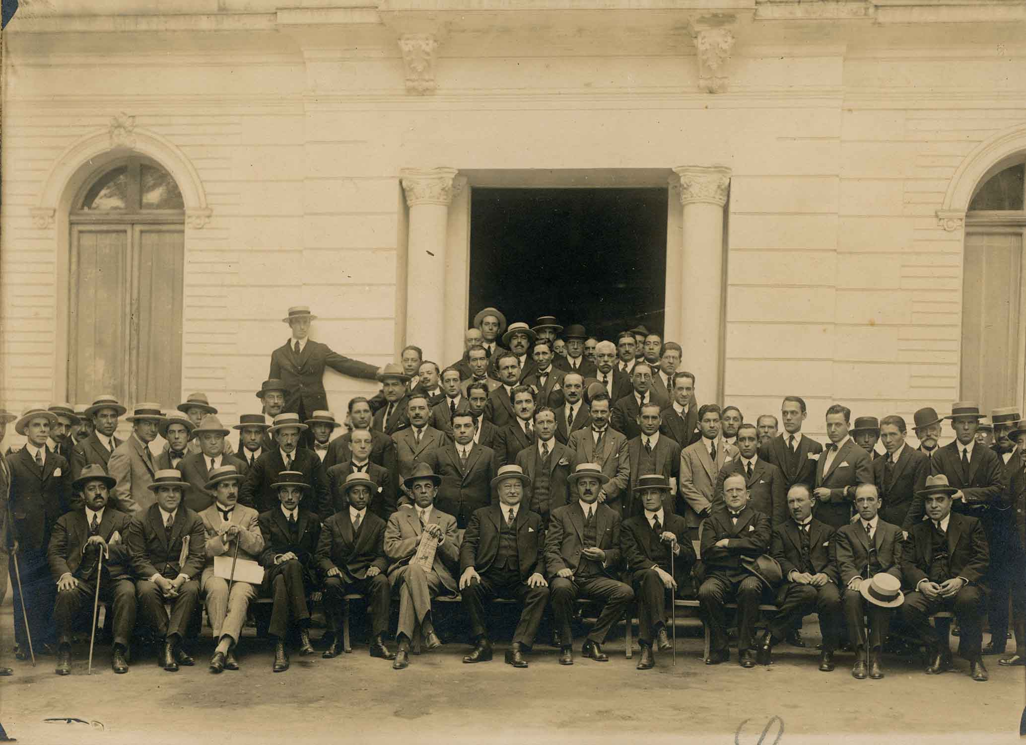 Enterreno - Fotos históricas de chile - fotos antiguas de Chile - Empleados Ferroviarios en 1924
