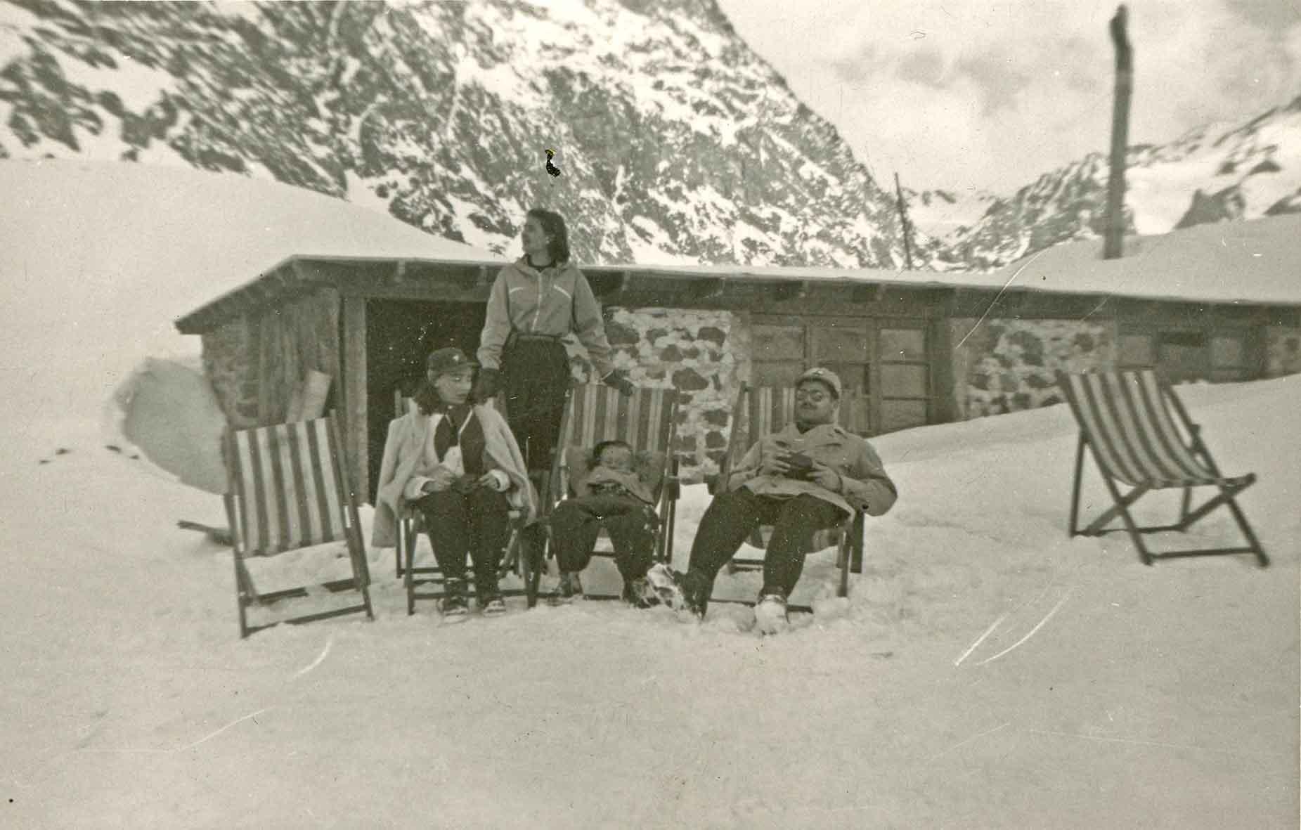 Enterreno - Fotos históricas de chile - fotos antiguas de Chile - Refugio de Montaña, ca. 1940