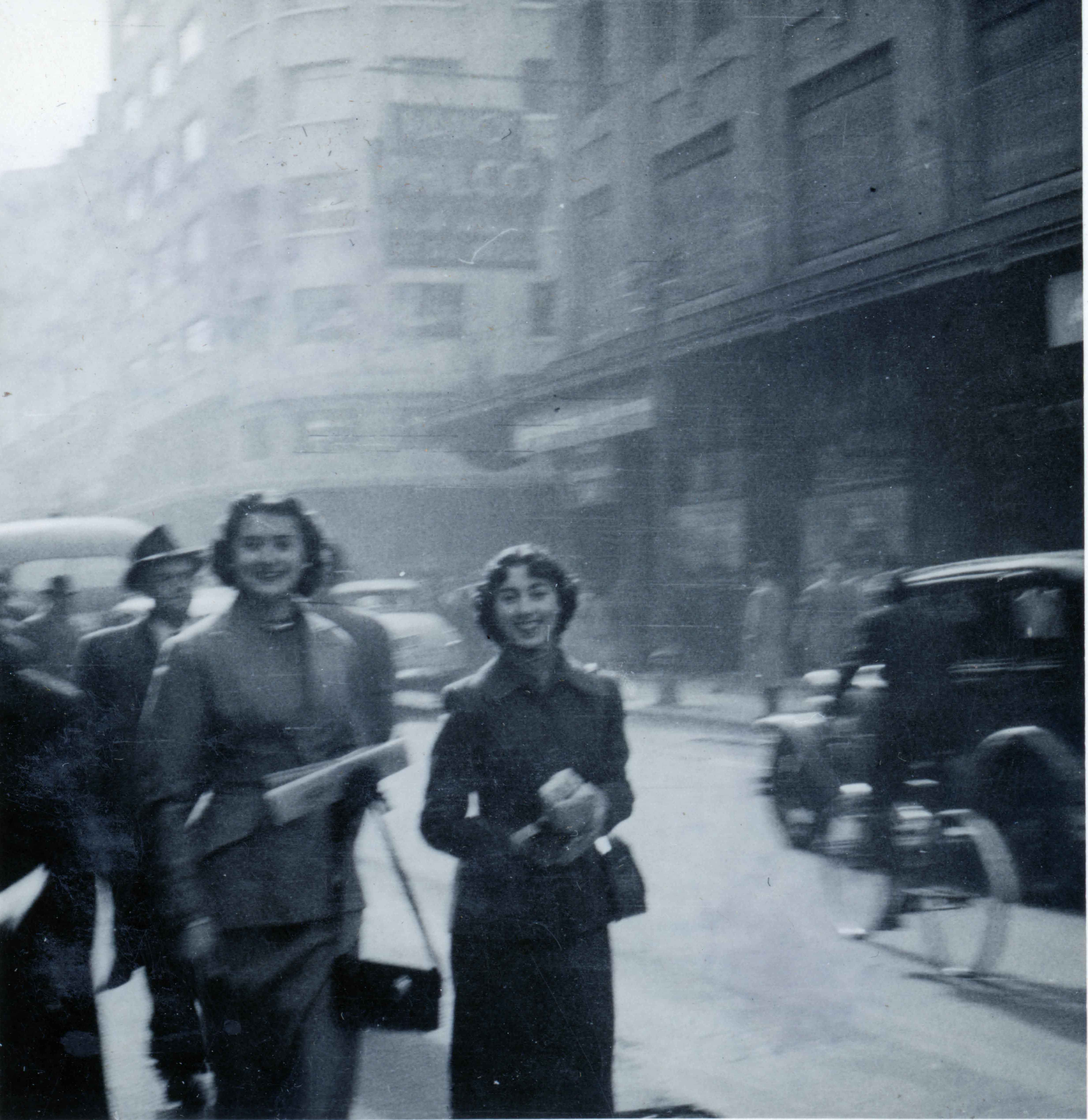 Enterreno - Fotos históricas de chile - fotos antiguas de Chile - Calle Ahumada en 1950