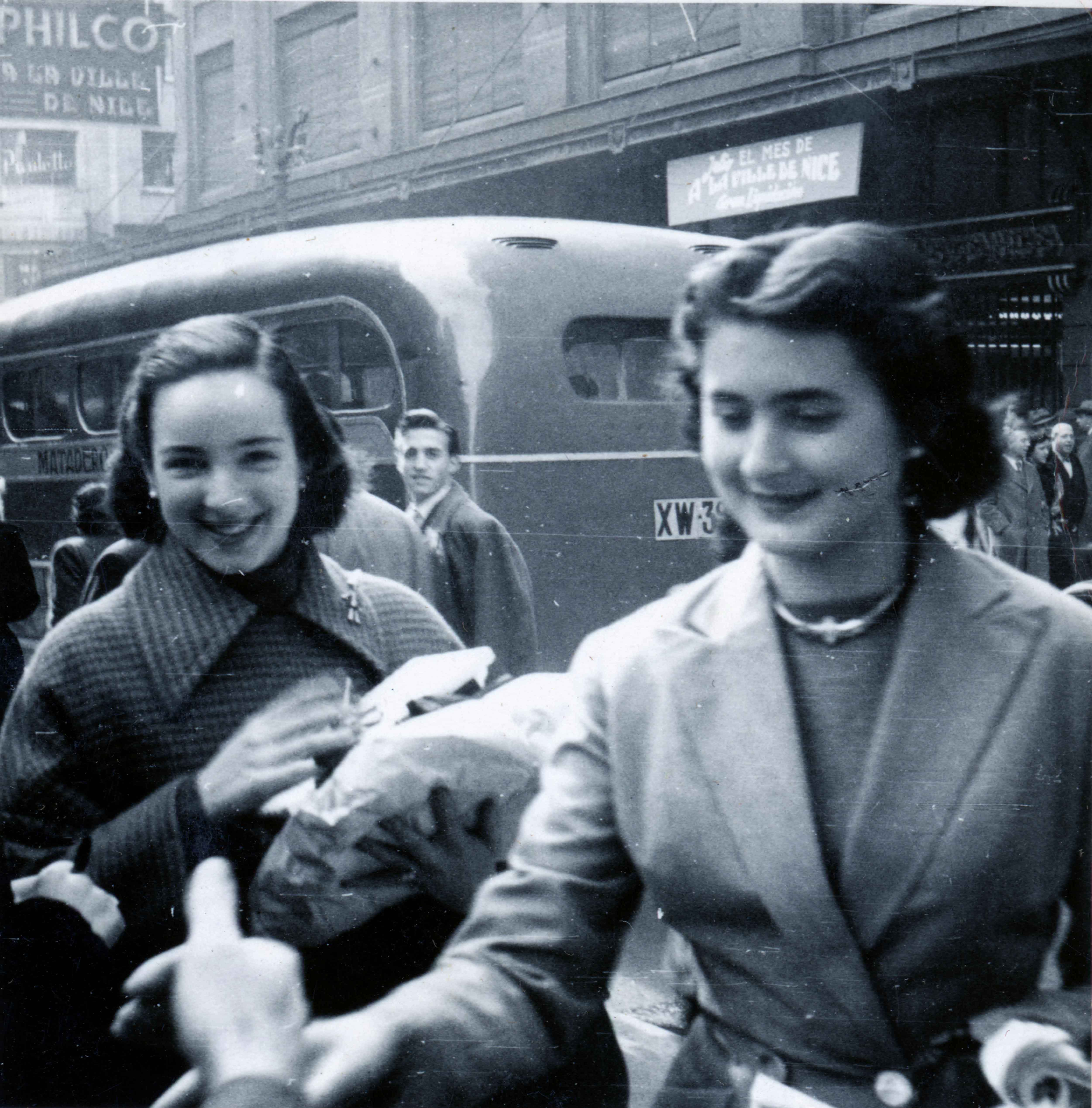 Enterreno - Fotos históricas de chile - fotos antiguas de Chile - Calle Ahumada en 1950