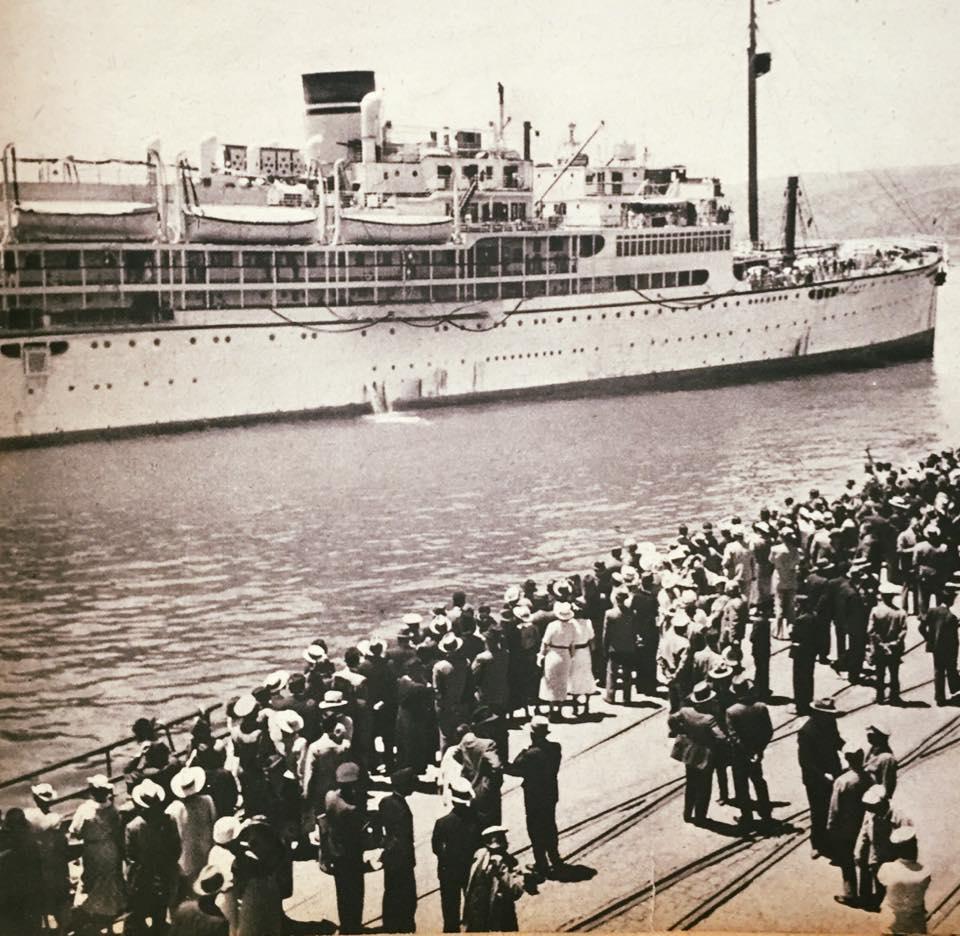 Enterreno - Fotos históricas de chile - fotos antiguas de Chile - Barco Italiano en Valparaíso, 1935