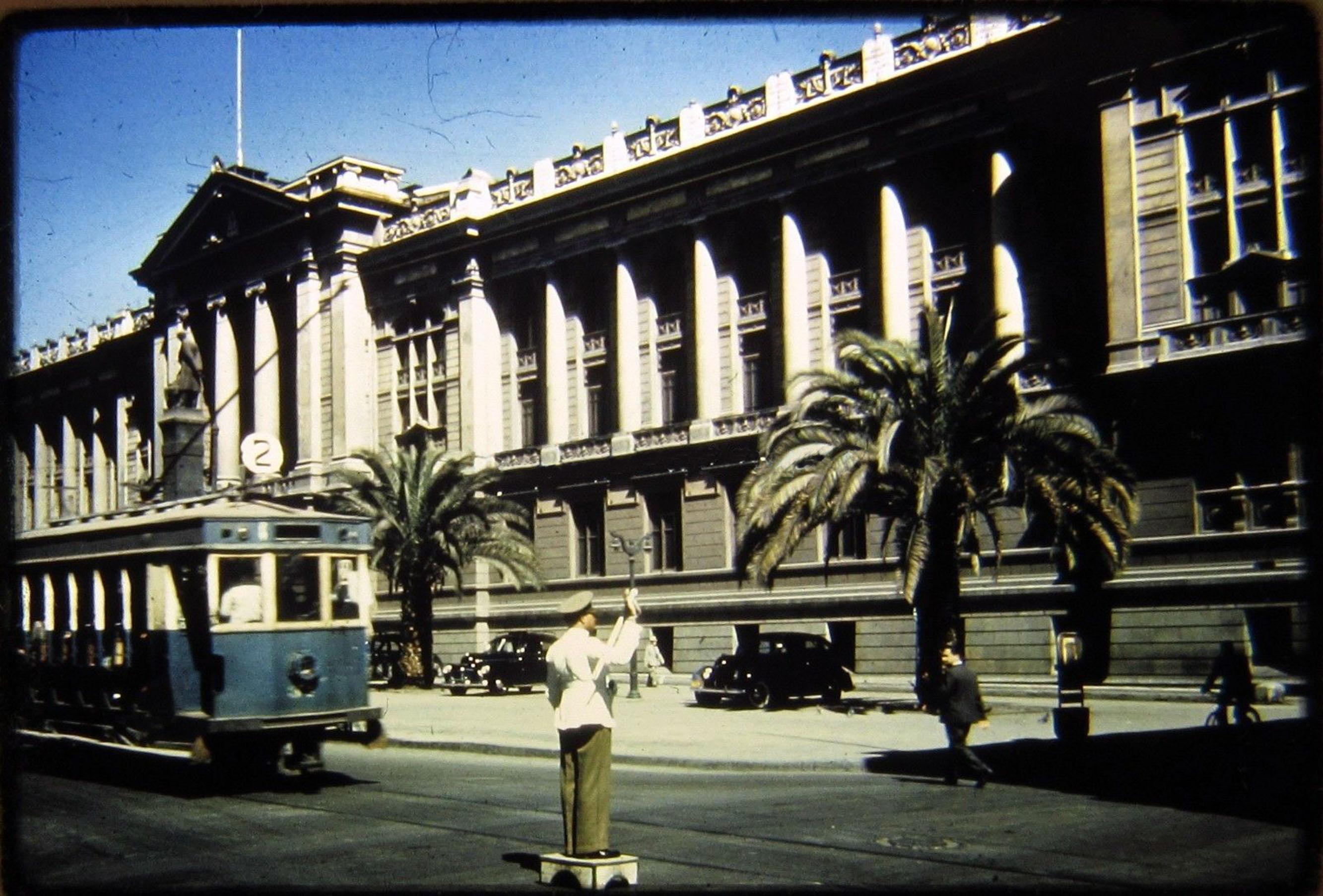 Enterreno - Fotos históricas de chile - fotos antiguas de Chile - Palacio de Tribunales en 1944