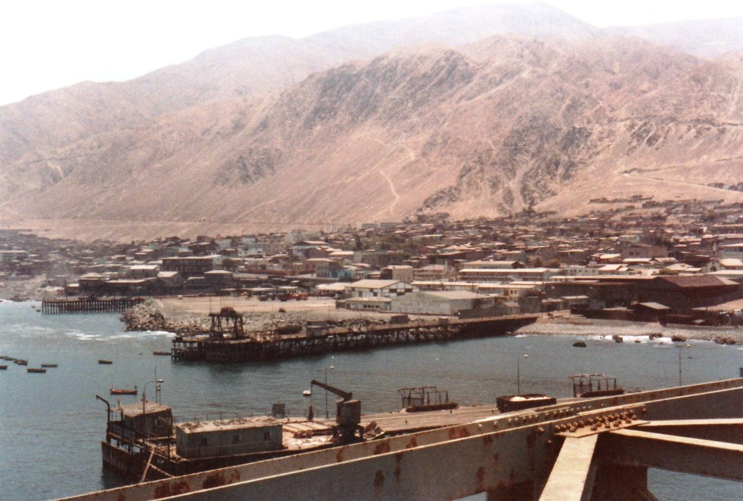 Enterreno - Fotos históricas de chile - fotos antiguas de Chile - Tocopilla en 1982