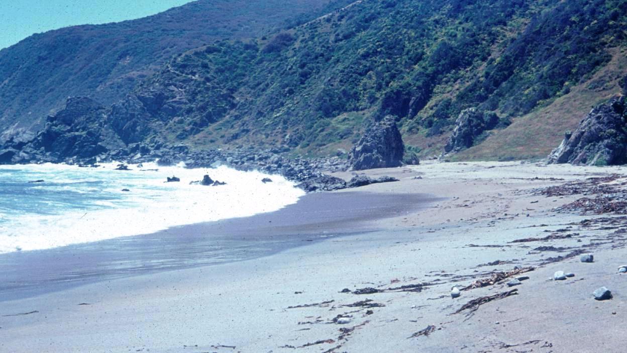 Enterreno - Fotos históricas de chile - fotos antiguas de Chile - Playa Caleta Barco en 1971