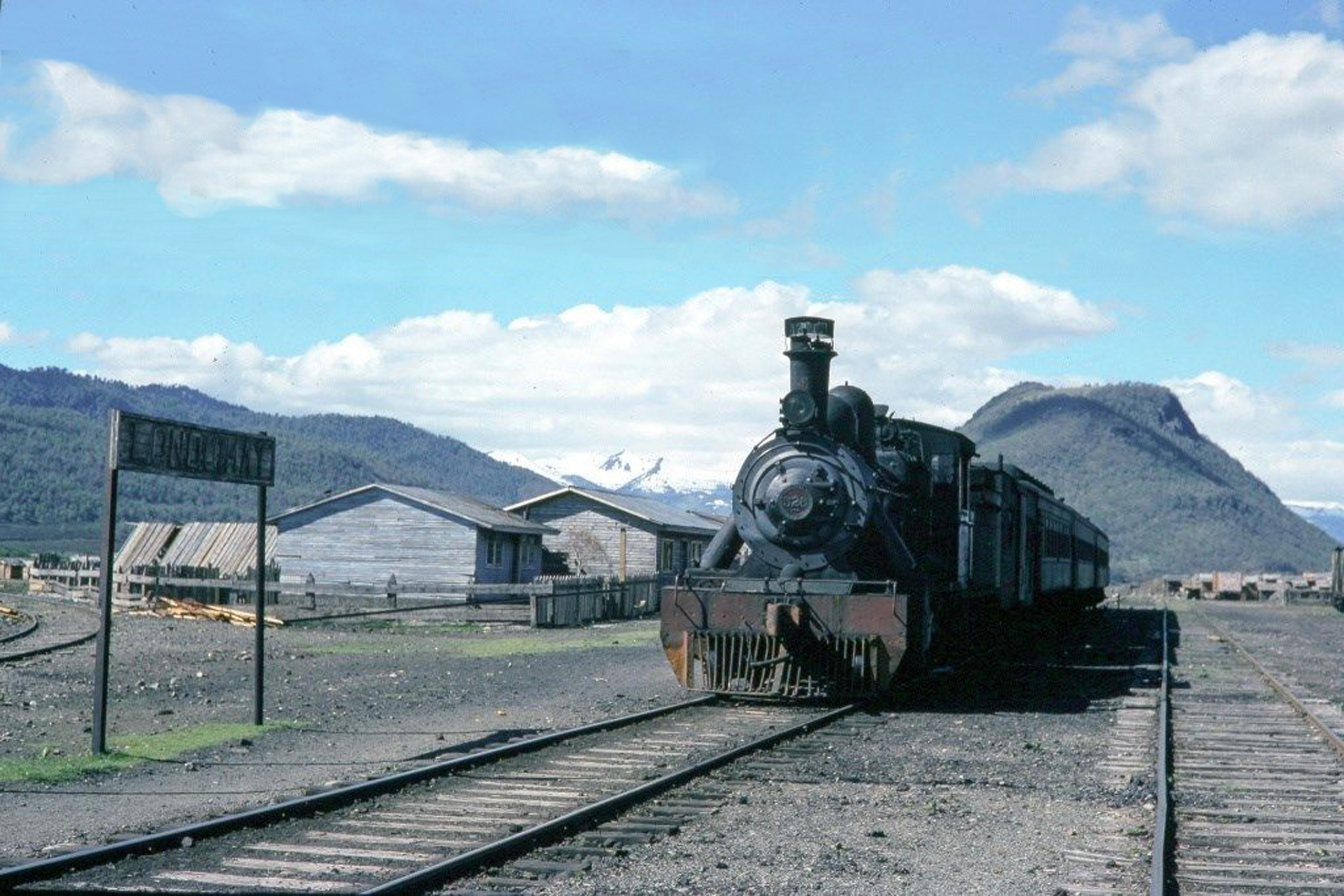 Enterreno - Fotos históricas de chile - fotos antiguas de Chile - Estación de Lonquimay en 1976