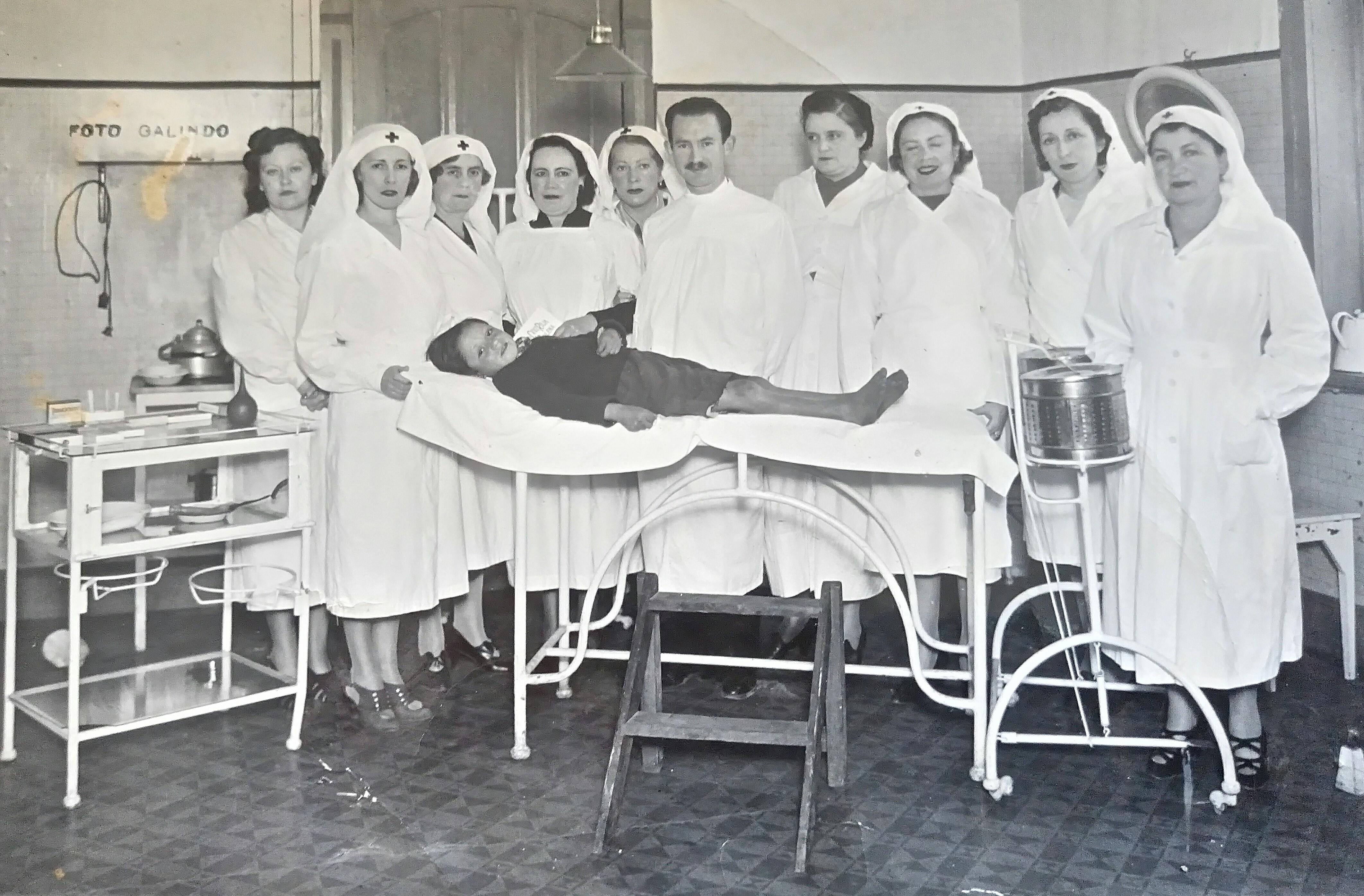 Enterreno - Fotos históricas de chile - fotos antiguas de Chile - Hospital desconocido de Valdivia en 1940