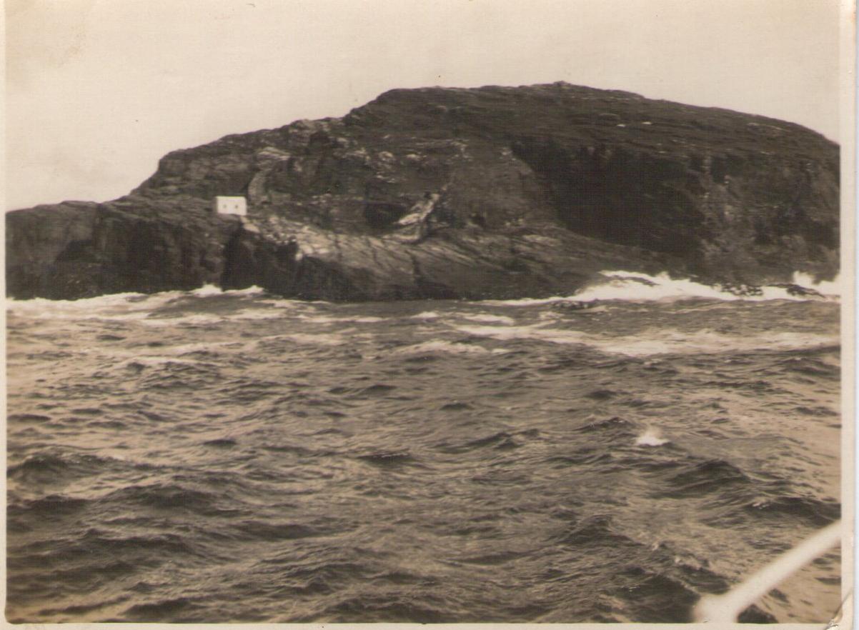 Enterreno - Fotos históricas de chile - fotos antiguas de Chile - Roca Faro Evangelista en 1927